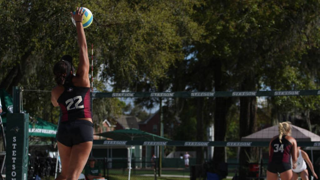 Beach Volleyball Finishes 4-1 at Outrigger Invitational