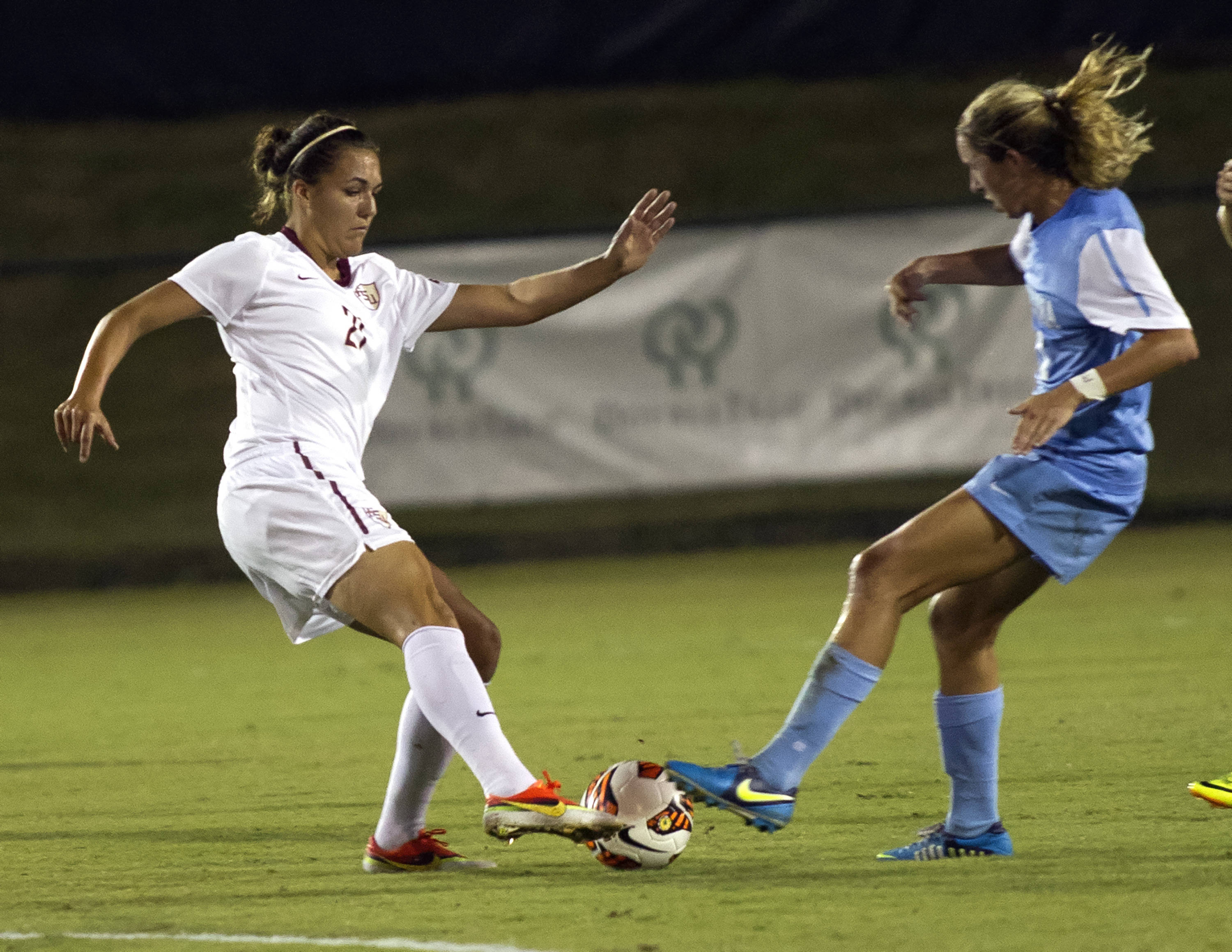 Marta Bakowska-Mathews, FSU vs North Carolina,  9-18-13, (Photo by Steve Musco)