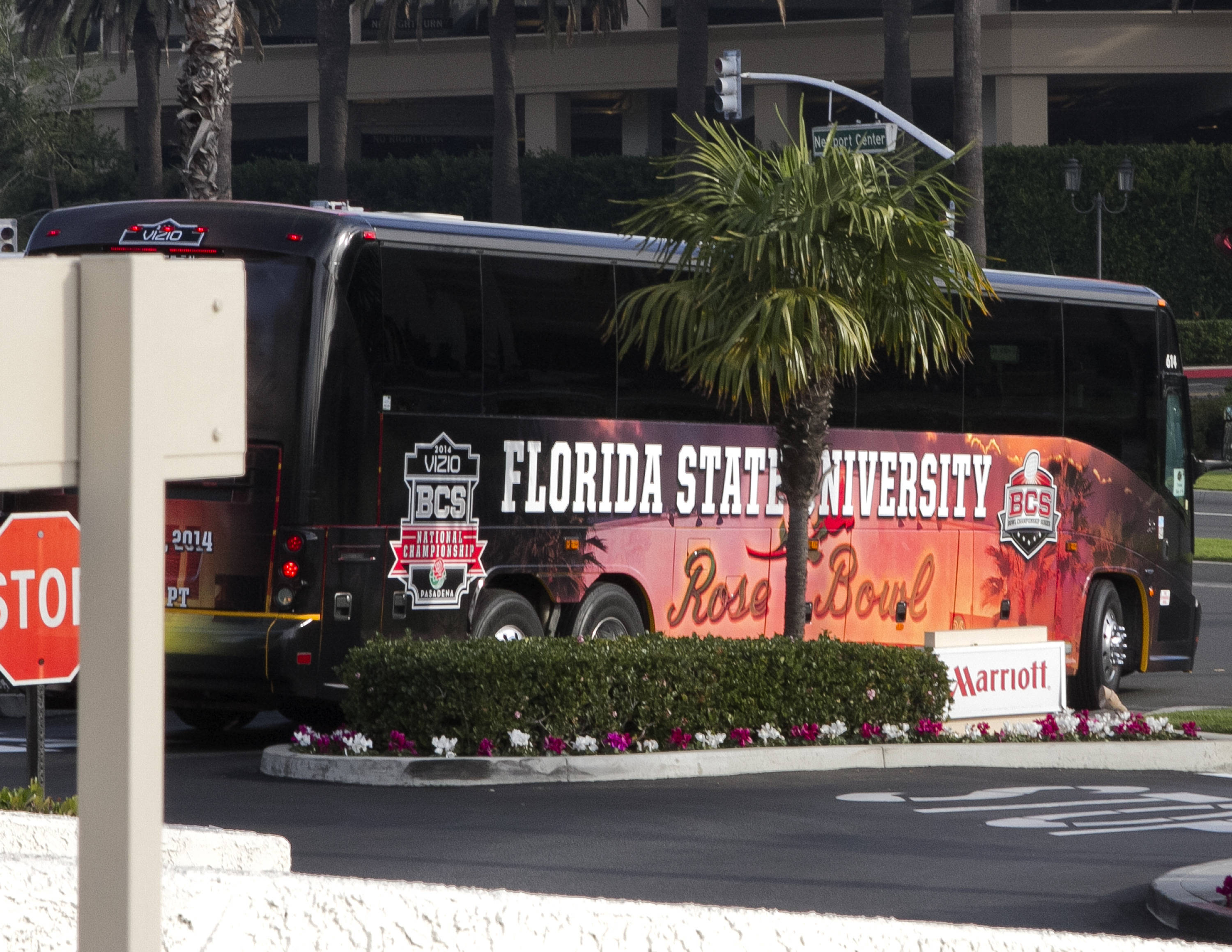 Team Bus, FSU at BCS Championship Media Day,  1-04-14,  (Photo by Steve Musco)