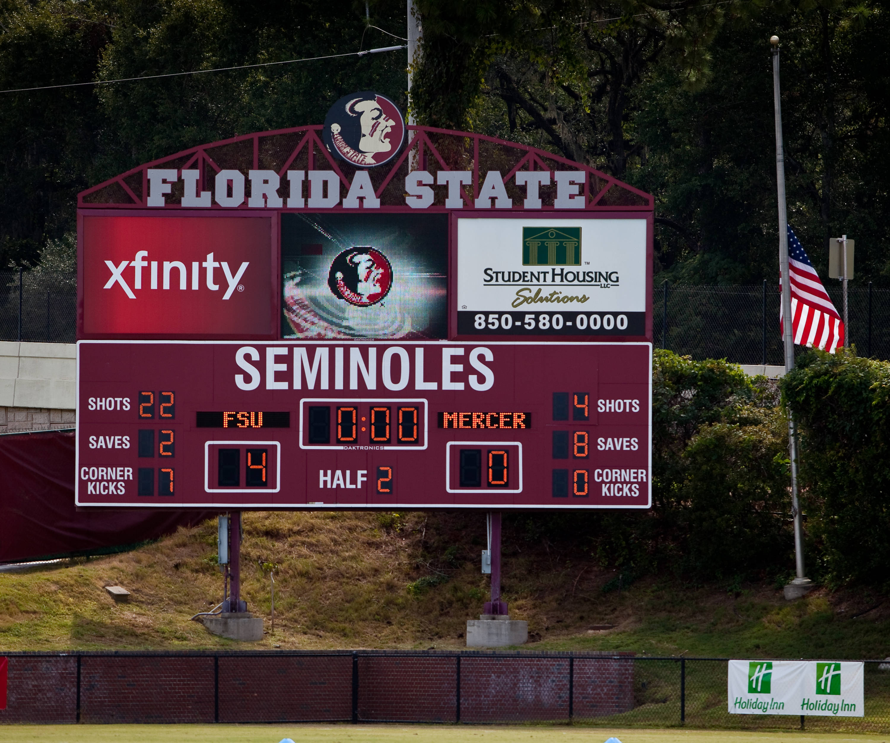 The Seminoles defeat the Bears 4-0.