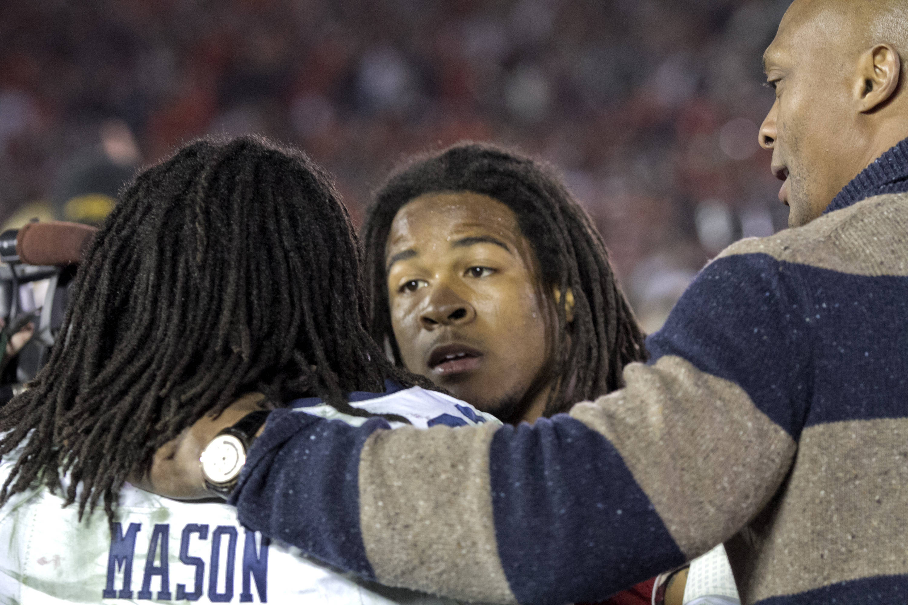 Devonta Freeman (8) shares a post game moment with Auburn's Tre Mason and Ohio State great Eddie George, BCS Championship, FSU vs Auburn, Rose Bowl, Pasadena, CA,  1-06-14,  (Photo by Steve Musco)