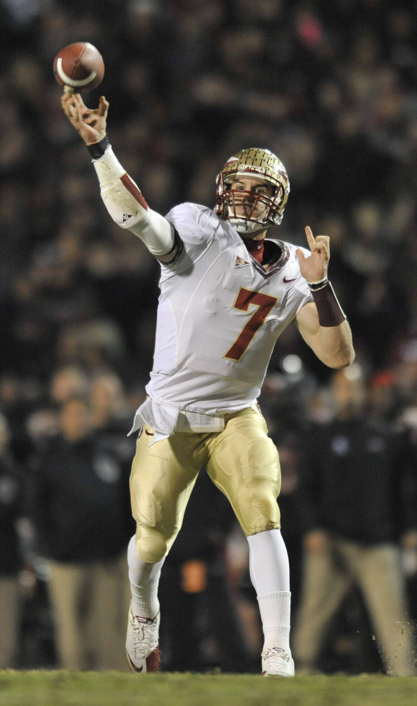 Florida State's quarterback Christian Ponder throws a pass against Maryland during the first half. (AP Photo/Gail Burton)