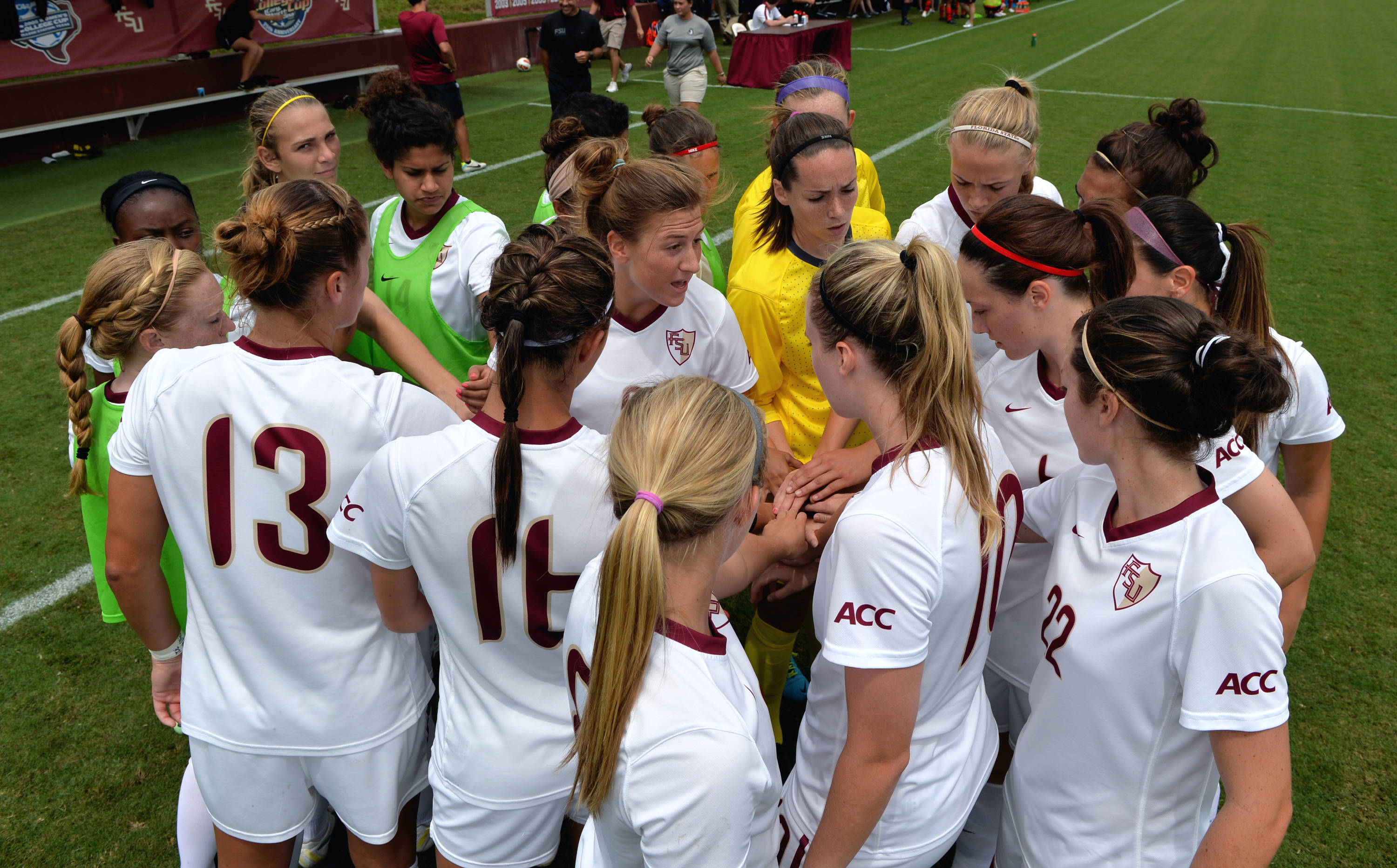 The Seminoles huddle before the start of Sunday's match against Auburn.