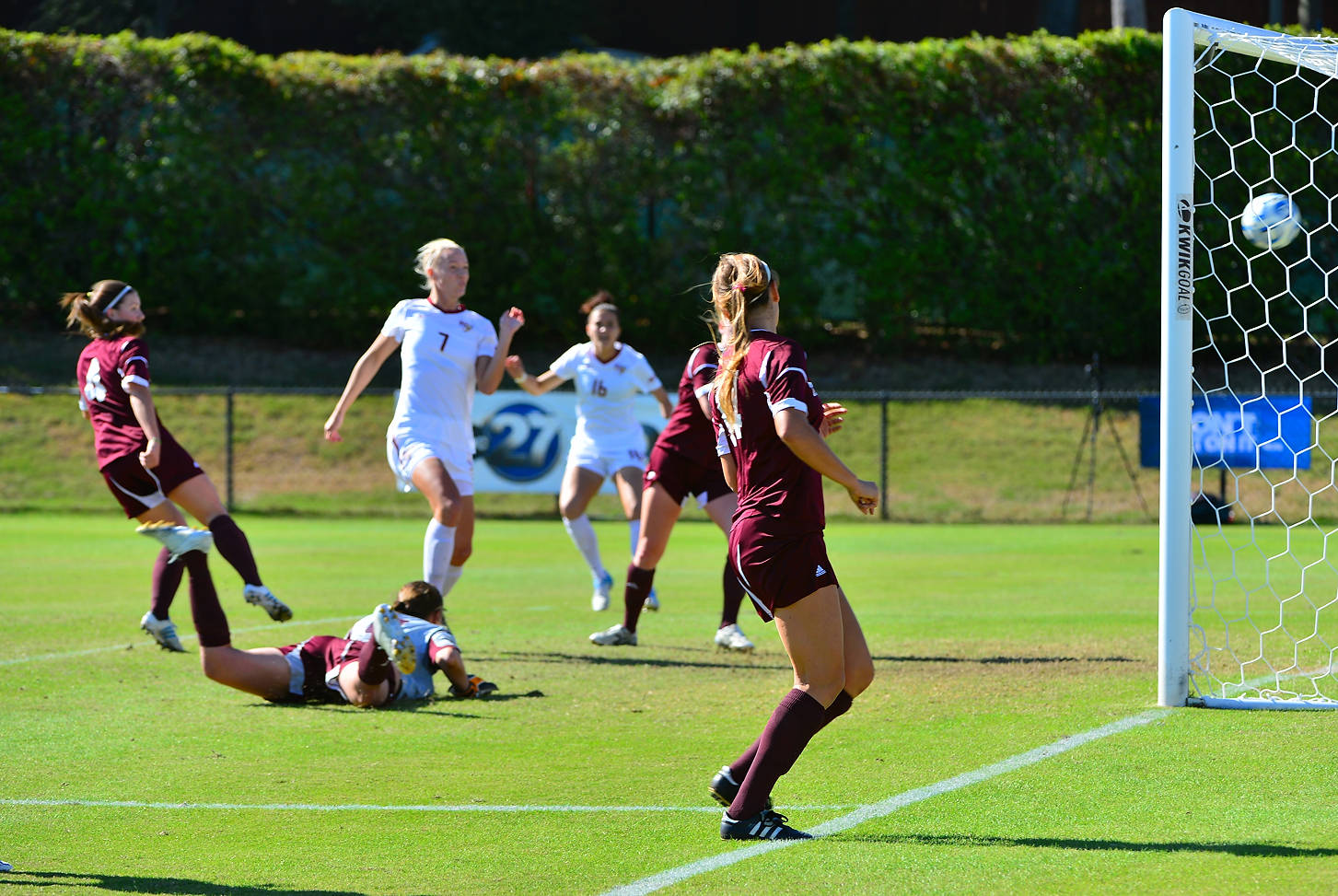 Dagny Brynjarsdottir puts away the cross from Tiffany McCarty to give FSU a 2-0 lead.