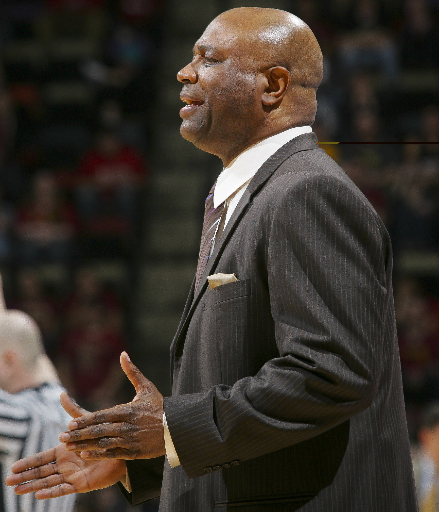 Florida State coach Leonard Hamilton talks to his team in the second half. (AP Photo/Phil Sears)