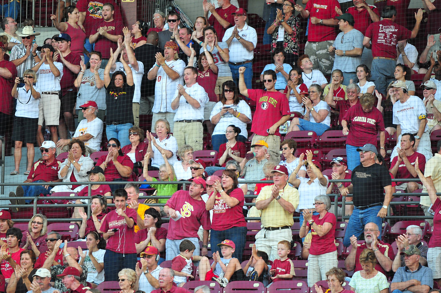 A Dick Howser Stadium crowd of 5,058 turned out Saturday to help propel the Seminoles to a 10-3 victory over Duke.