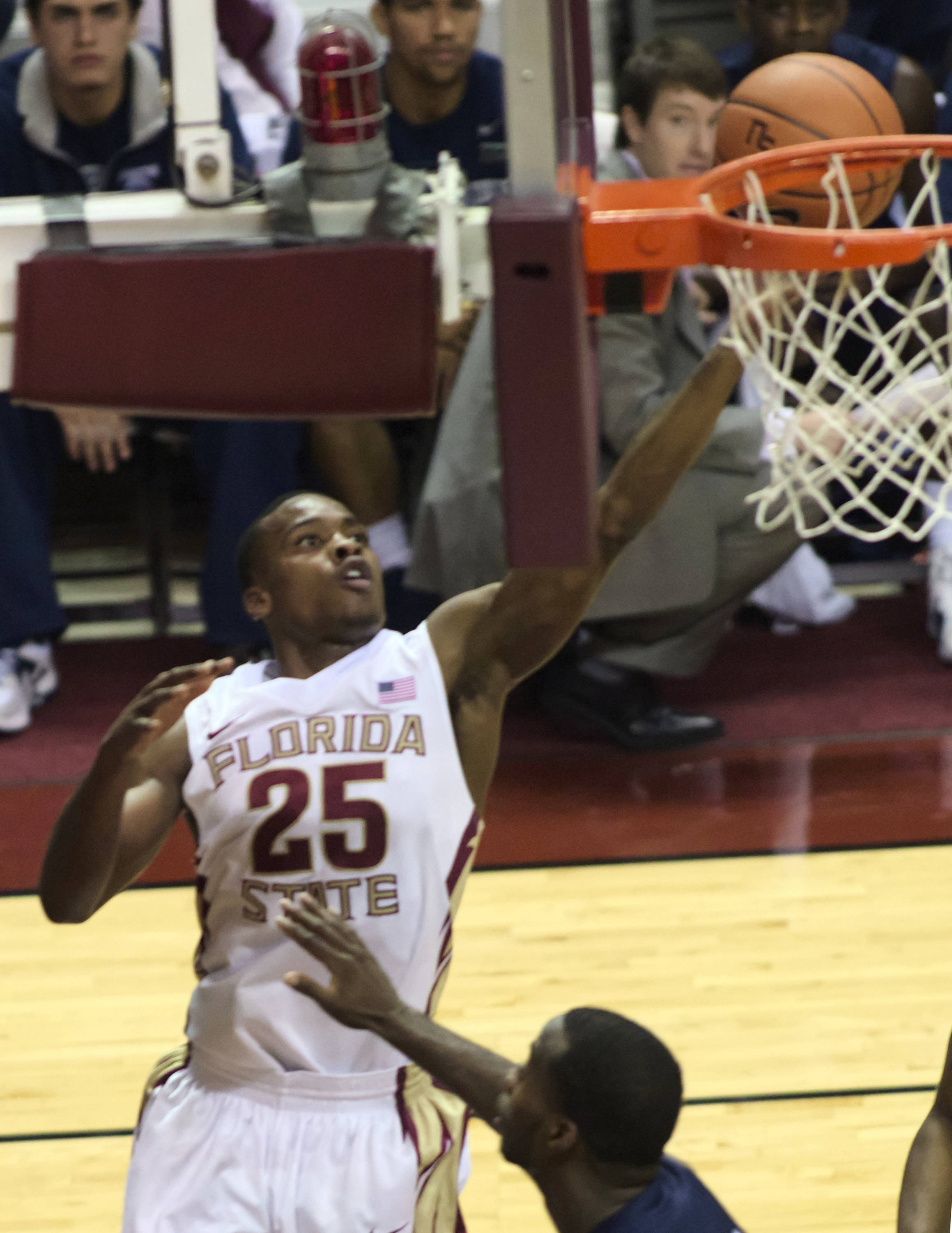 Aaron Thomas (25), FSU vs No. Fla, 11/21/12. (Photo by Steve Musco)