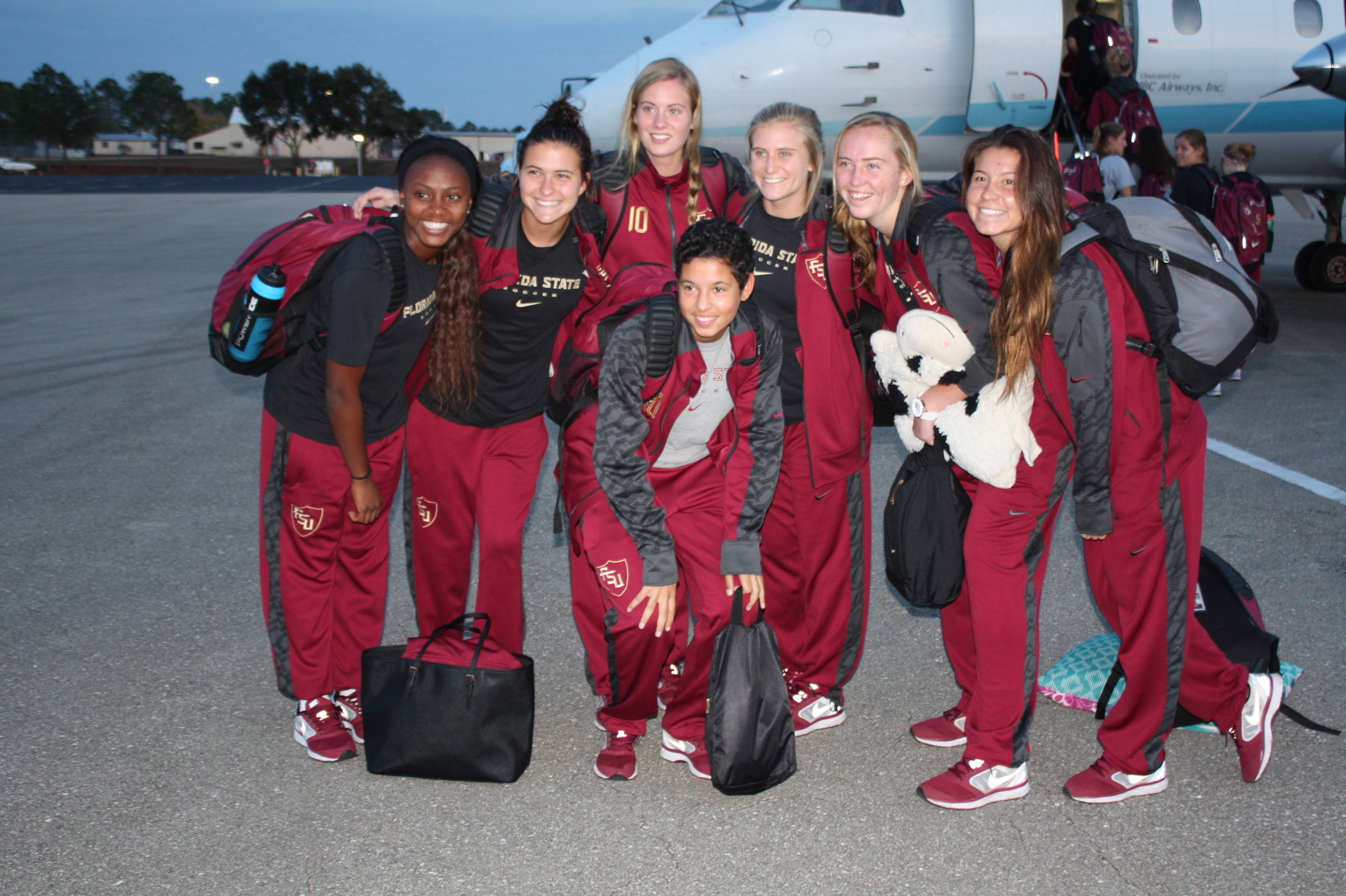 The Seminoles headed to the plane.