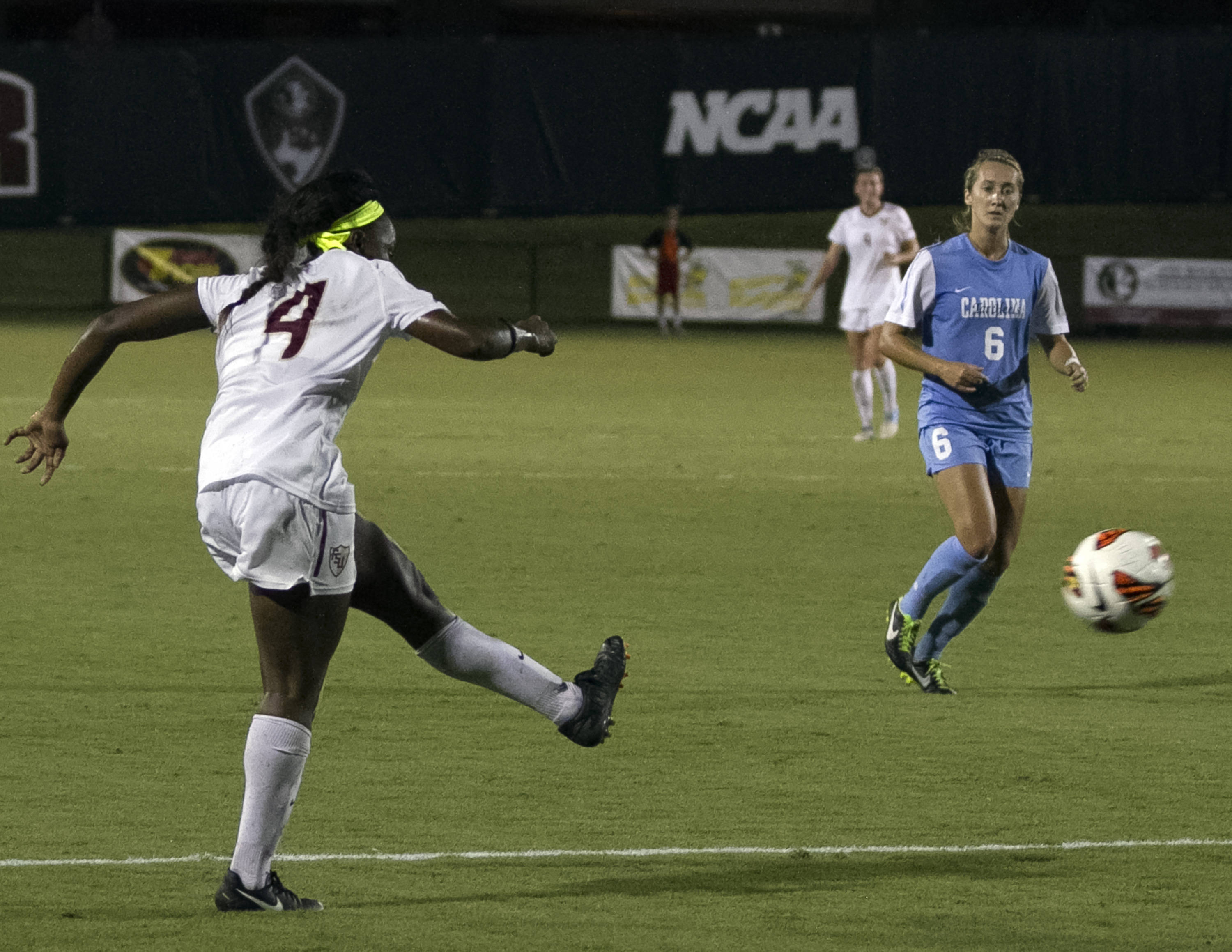 Jamia Fields game winning shot, FSU vs North Carolina,  9-18-13, (Photo by Steve Musco)
