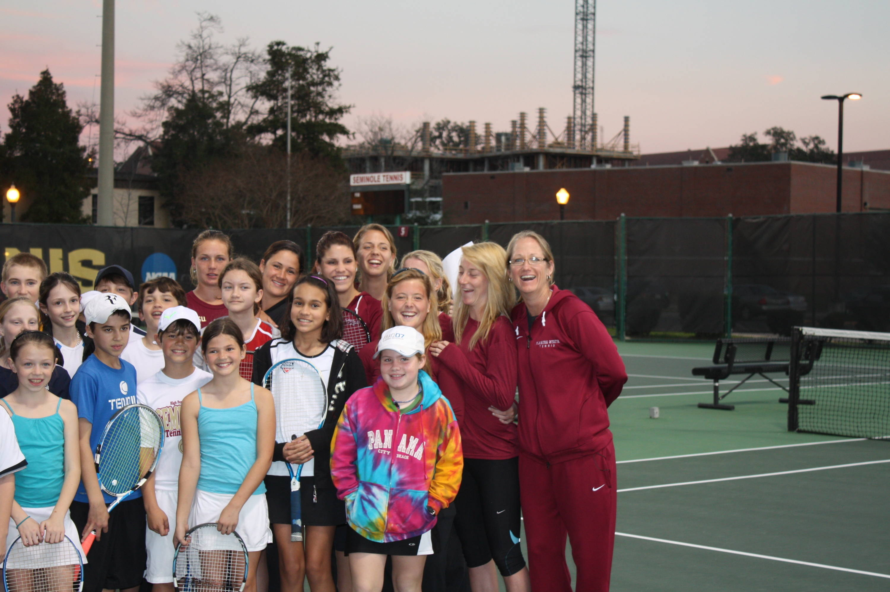 Tennis community clinic (women's team)