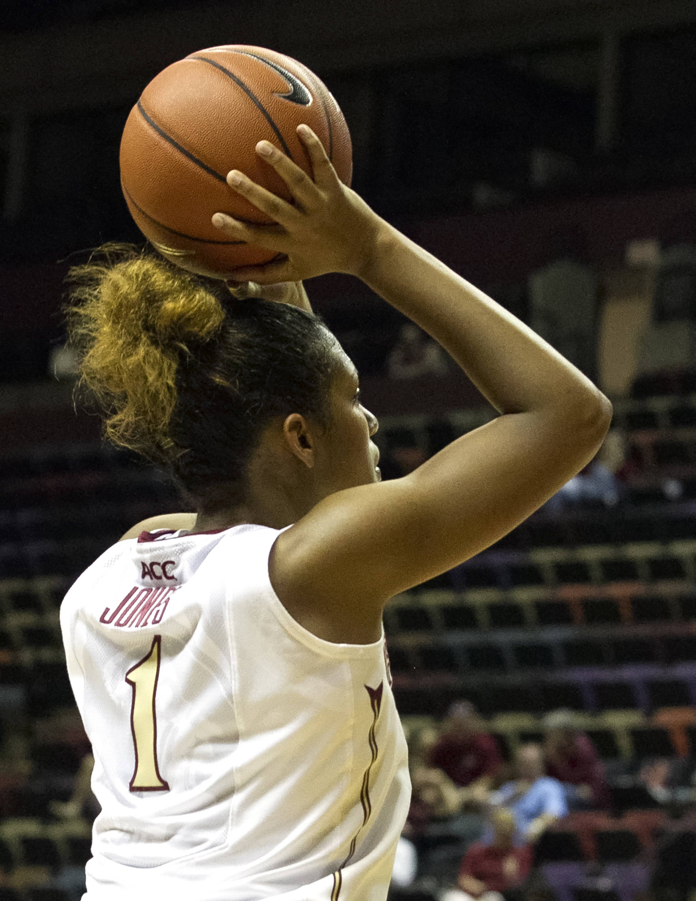Morgan Jones (1), getting set for her jumper, FSU vs Jacksonville, 12-08-13,  (Photo by Steve Musco)