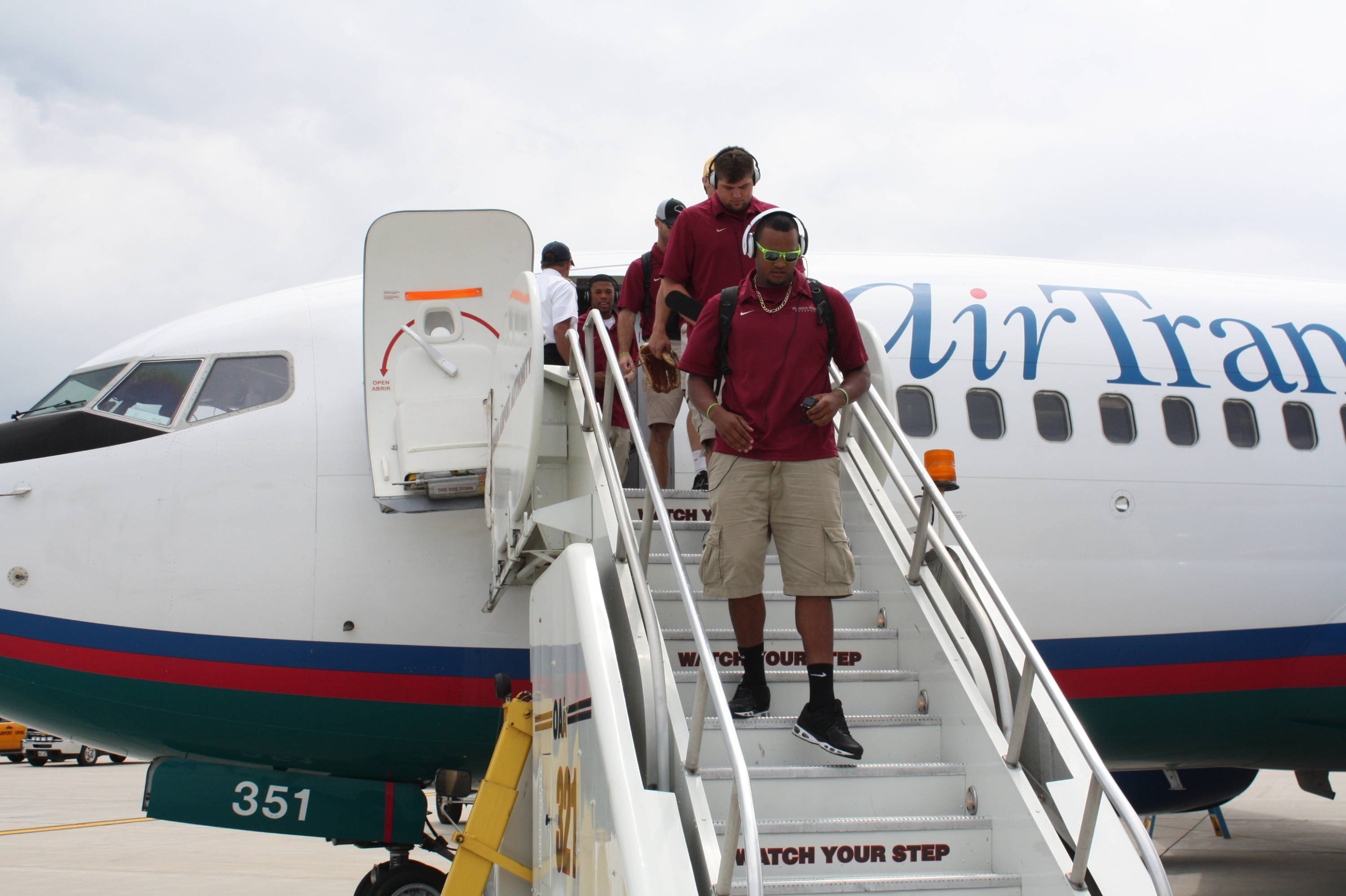 The Seminoles arrive in Omaha!  Hunter Scantling and Brian Busch are the first players off the plane Wednesday afternoon.