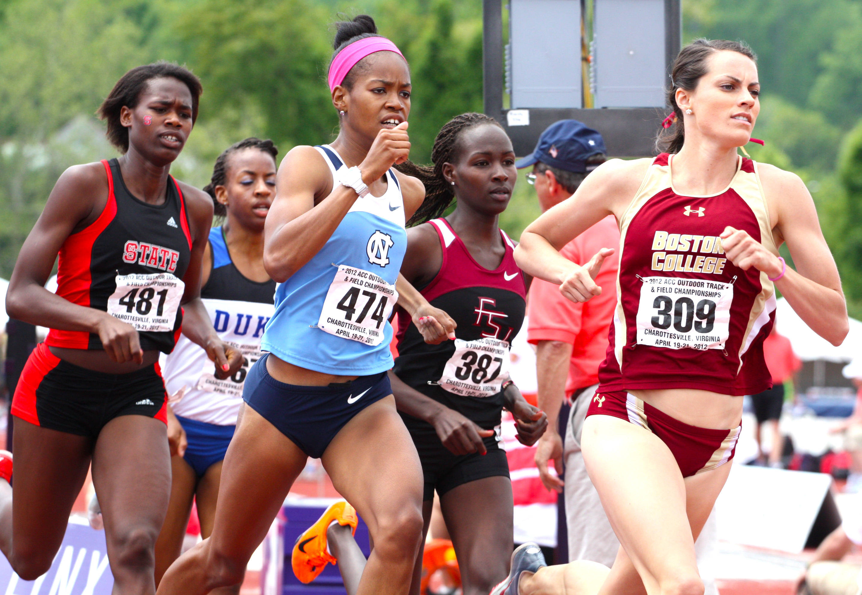 FSU's Violah Lagat is nestled in the middle of the pack during the 800m finals, where she claimed the bronze medal in a new PR.