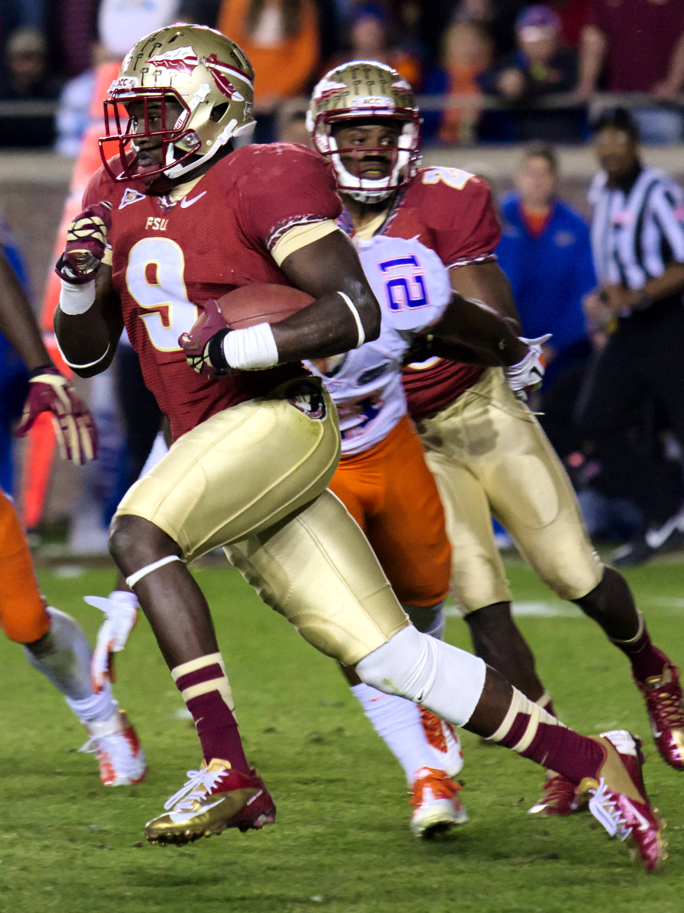 Karlos Williams (9), FSU vs Florida, 11/24/12. (Photo by Steve Musco)