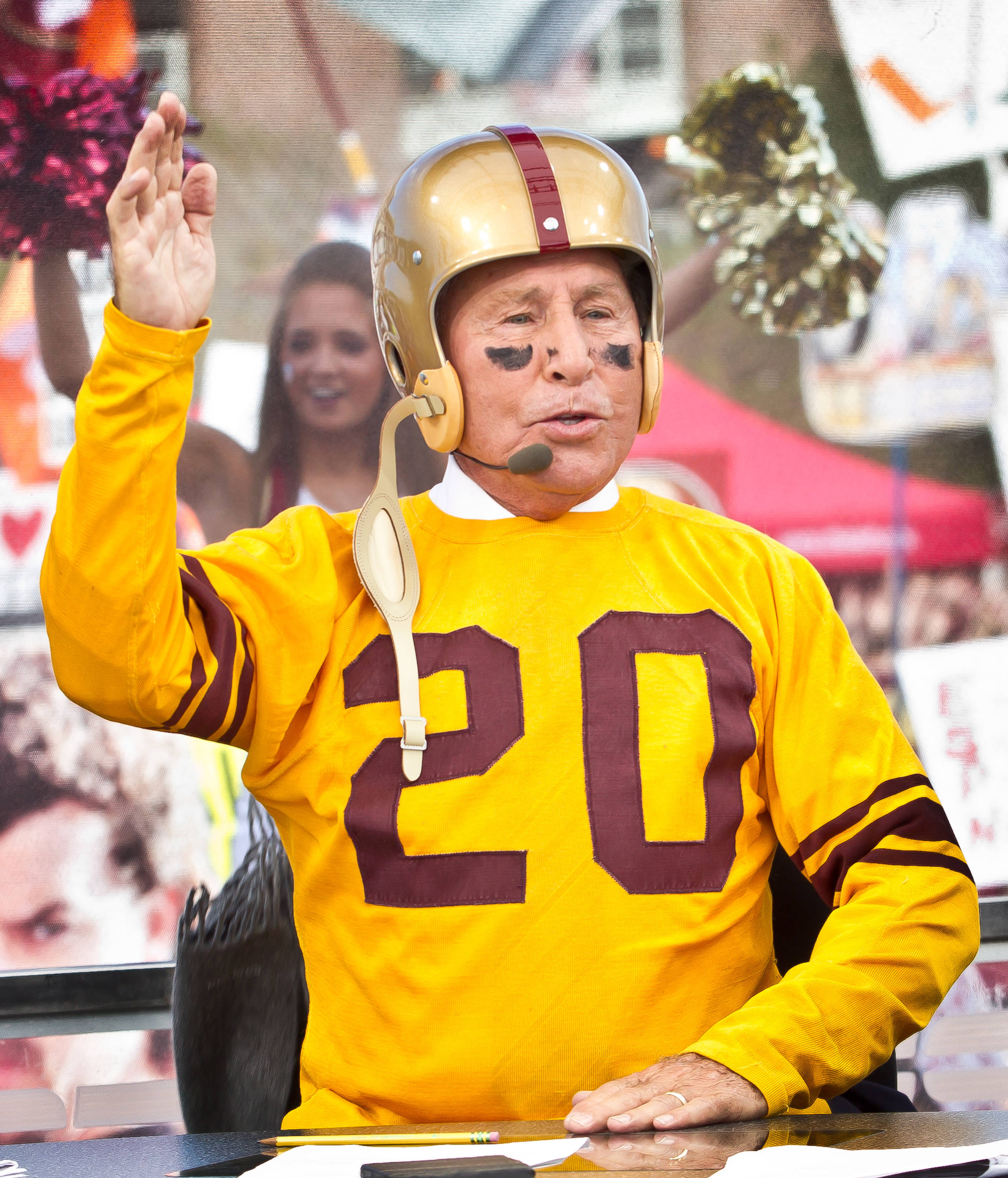 Lee Corso picks FSU to win.