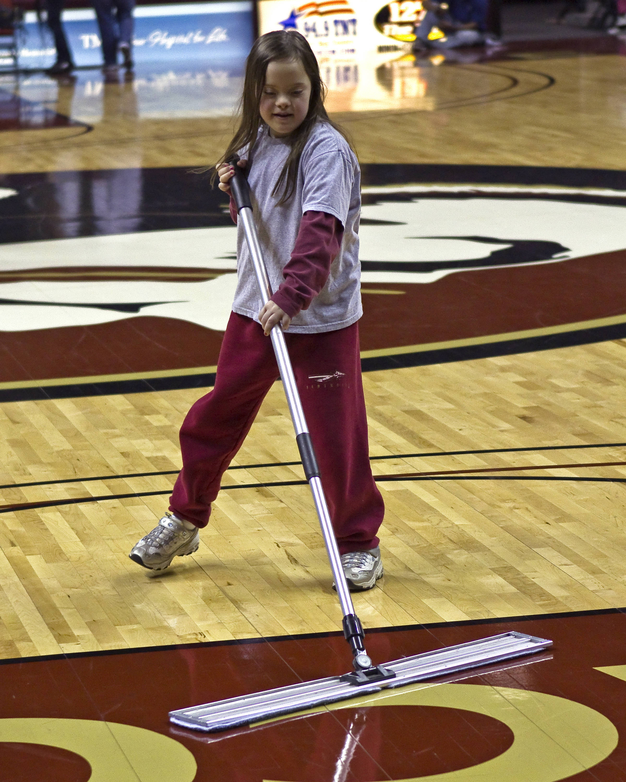FSU vs Georgia Tech- 02//11/11 - a young on-court helper