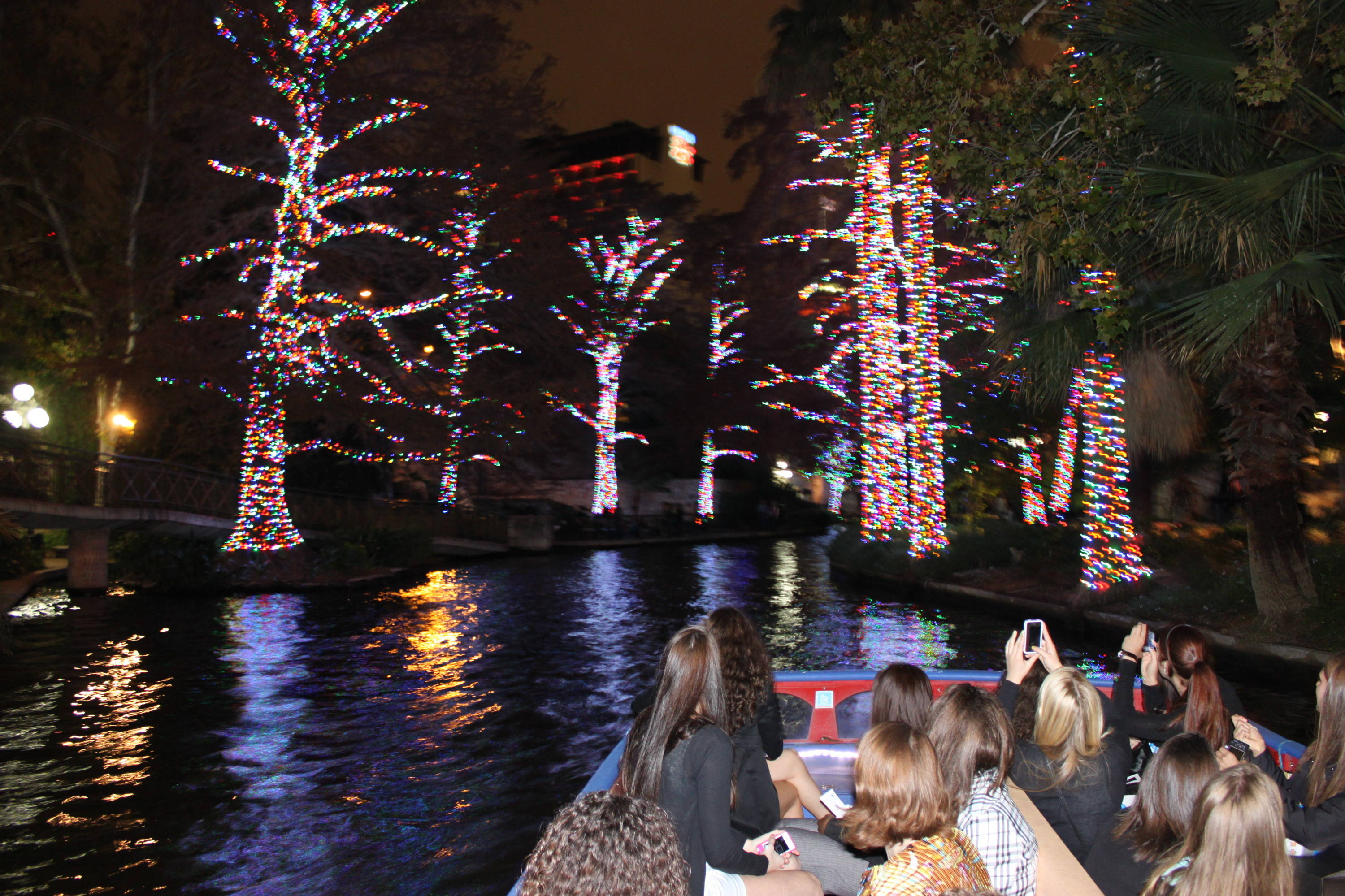 The Seminoles and crew took a quick tour on the river, filled with history, fun facts and a lot of Christmas lights.