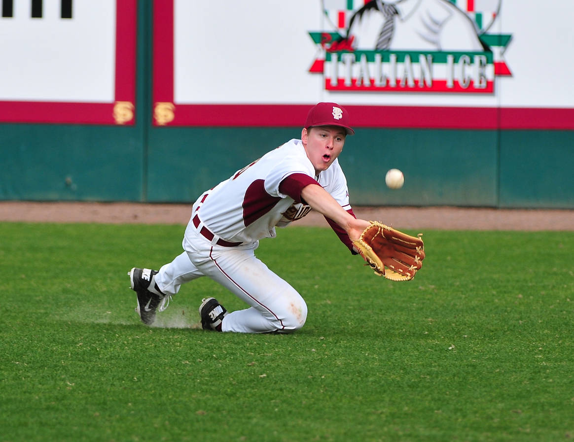 Seth Miller makes a great diving catch in right field.