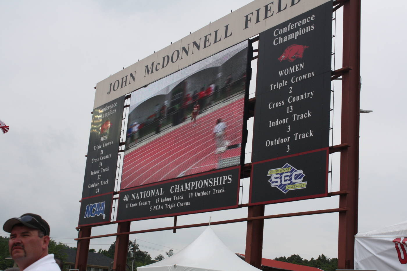 The 4x100m Relay on the big board.
