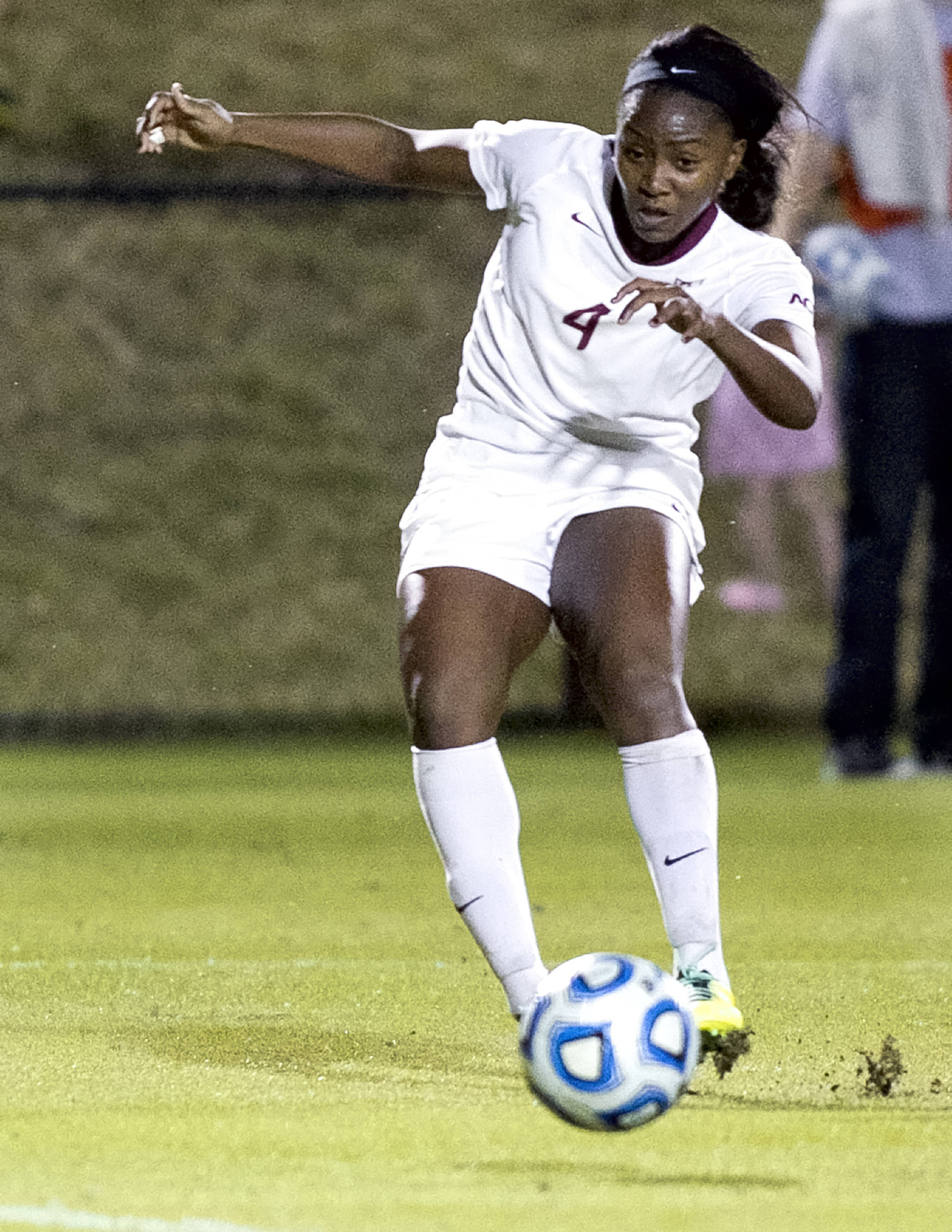 Jamia Fields (4), FSU vs Ole Miss, 11-17-13, 2nd round NCAA Tournament (Photo by Steve Musco)