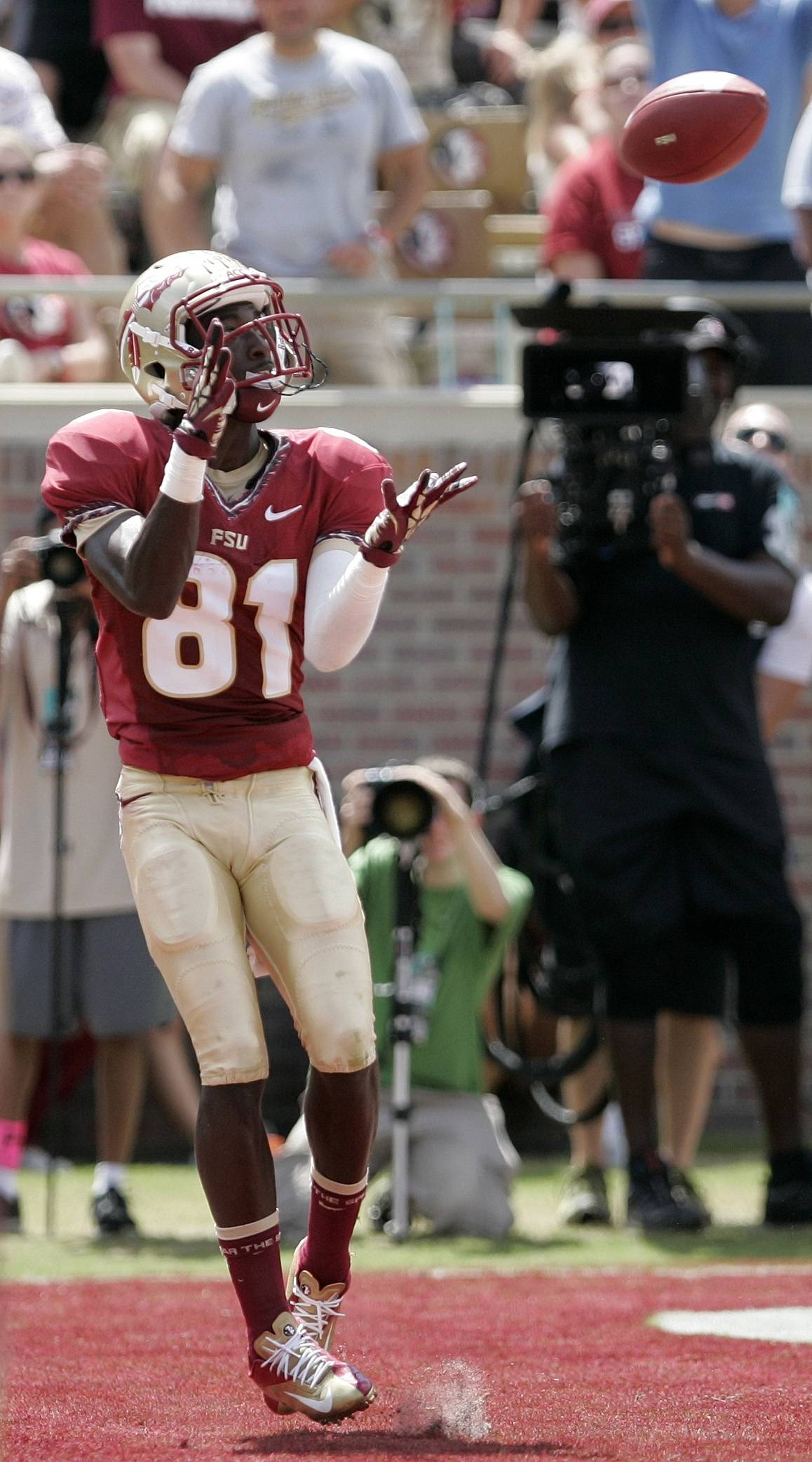 Florida State's Kenny Shaw catches pass for a touchdown against Wake Forest. (AP Photo/Steve Cannon)