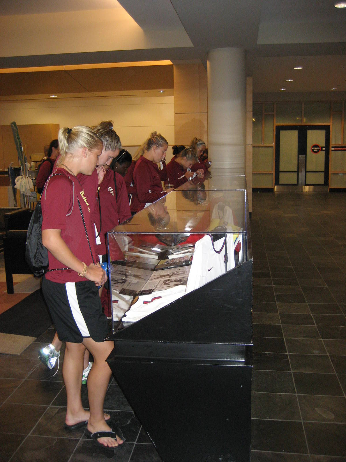FSU soccer team looks at the tribute to Hamm