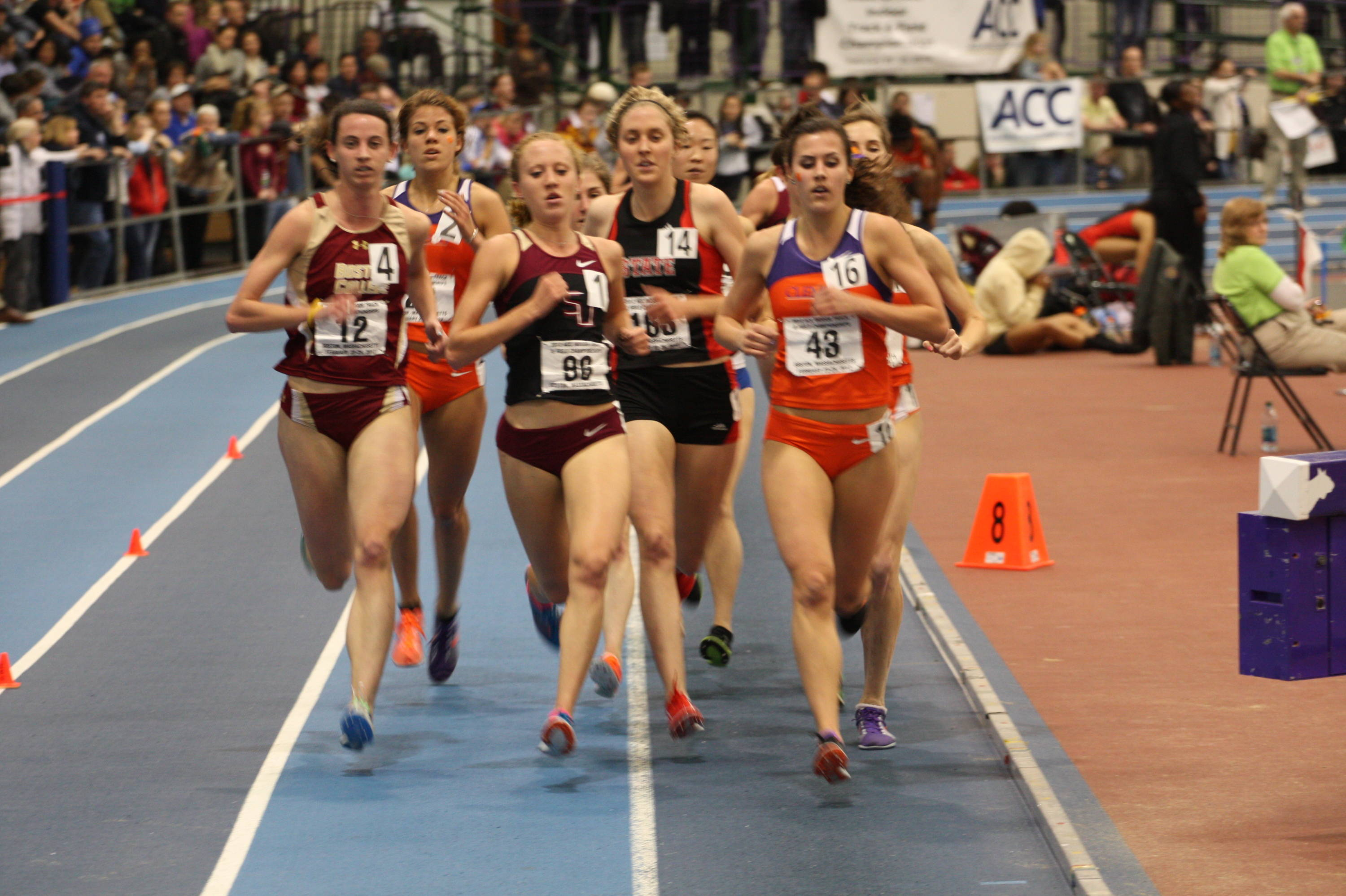 Amanda Winslow makes her move into the lead en route to victory in the 3000m; the lone individual gold on the final day for the FSU women.
