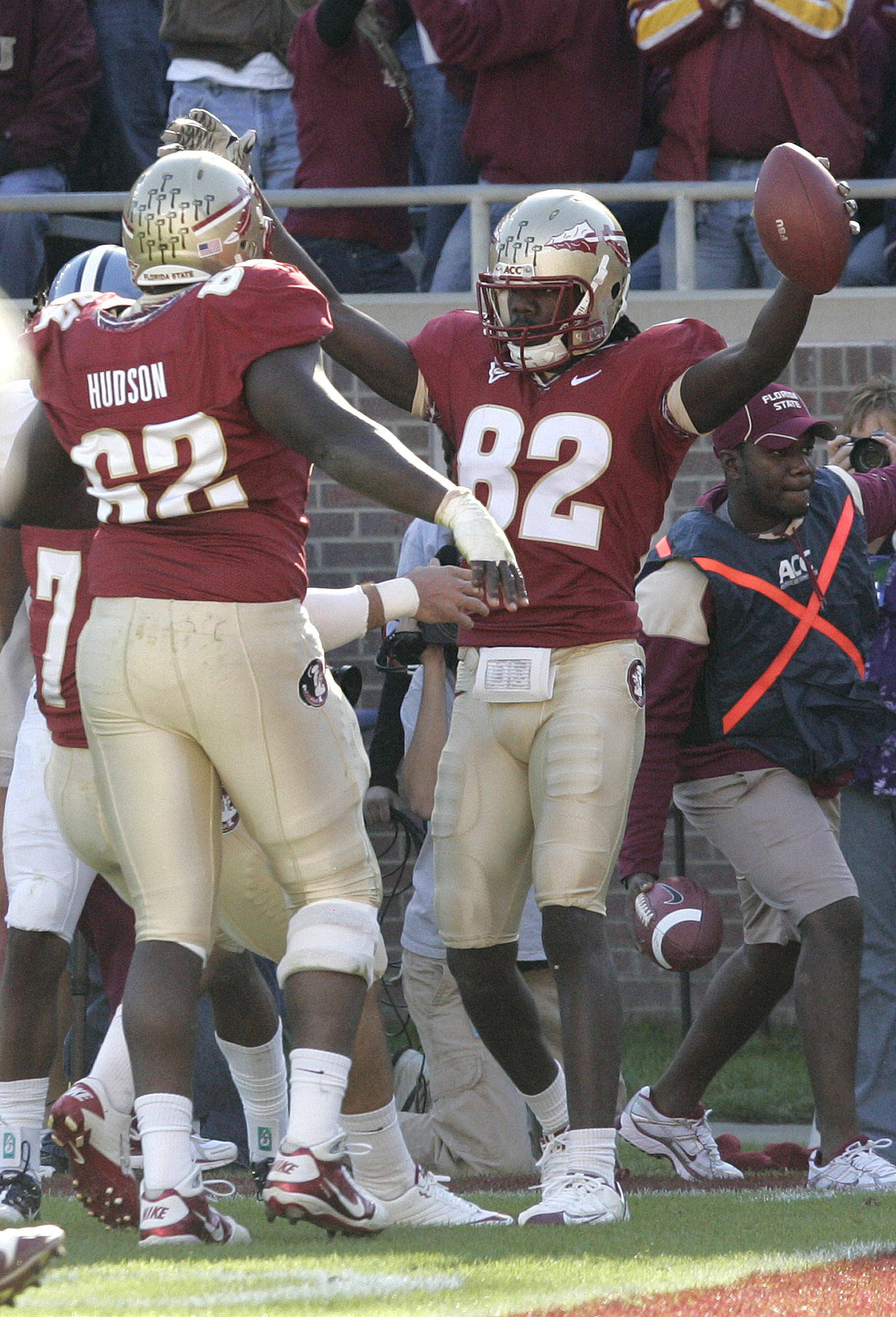 Florida State's Willie Haulstead, right celebrates with teammates after scoring against North Carolina in the first quarter on Saturday. (AP Photo/Steve Cannon)