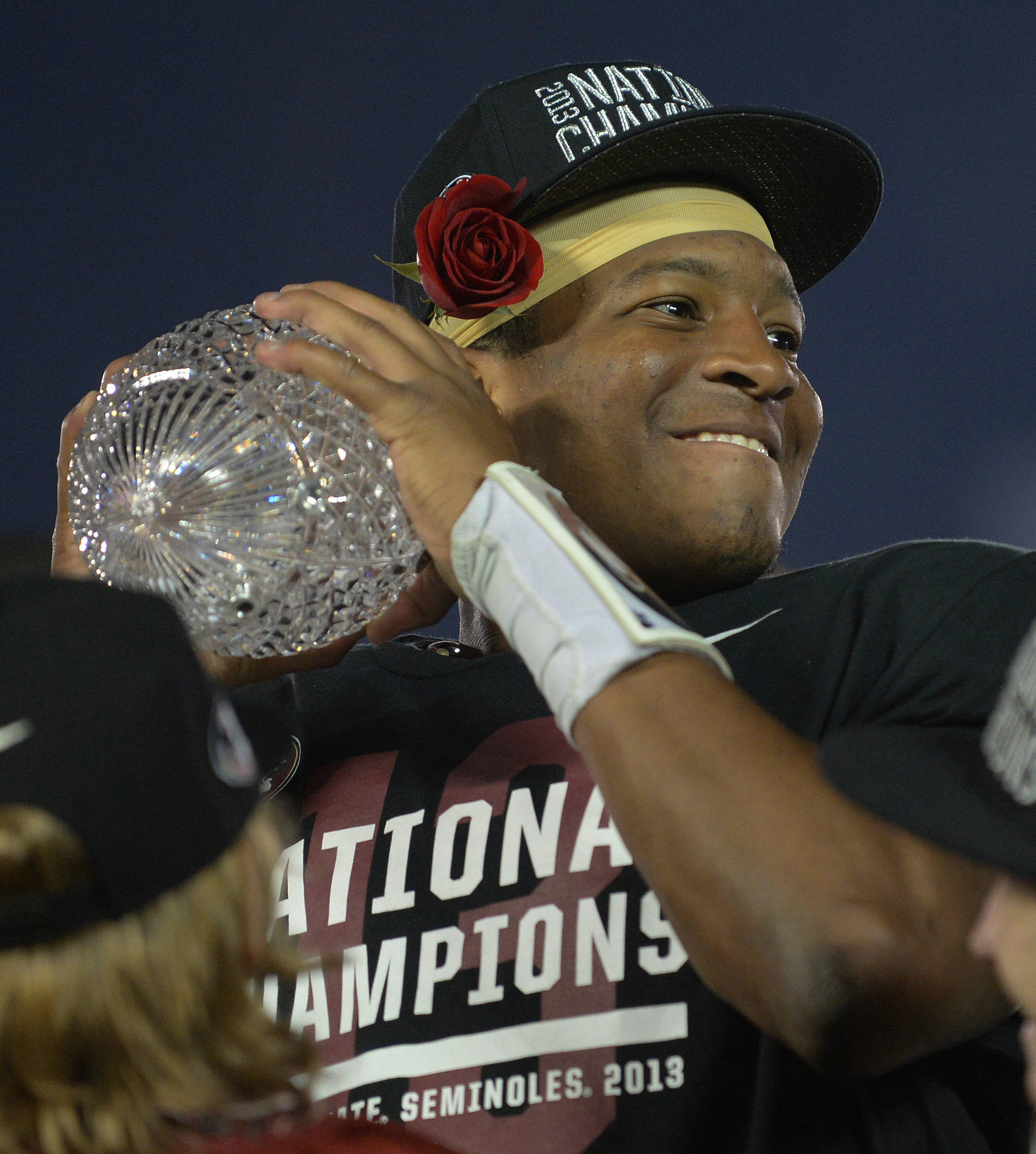 Jameis Winston is first player to ever win title and Heisman, go undefeated and be on team that averaged 50 points per game