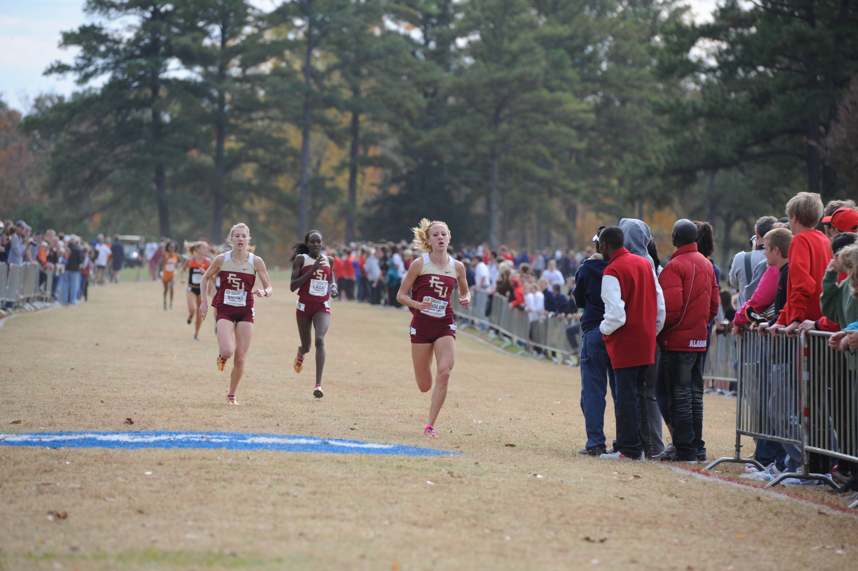 Amanda Winslow, Hannah Brooks and Violah Lagat lead a 1-2-3 finish by the top-ranked Florida State women at the NCAA South Region.