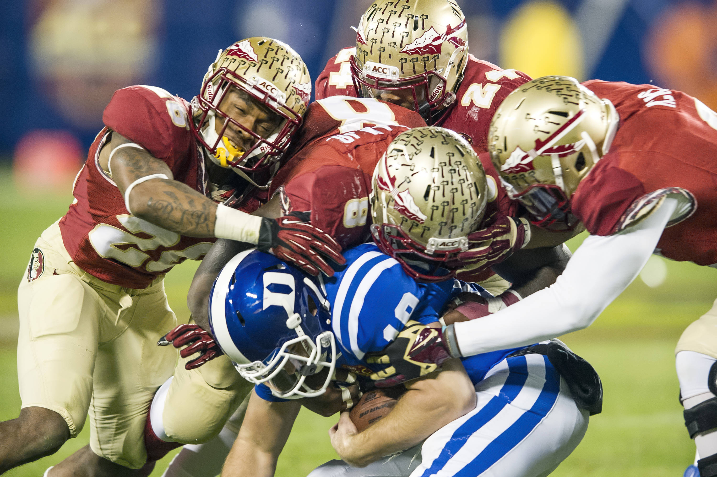 Seminole defense smothers a Duke running back
