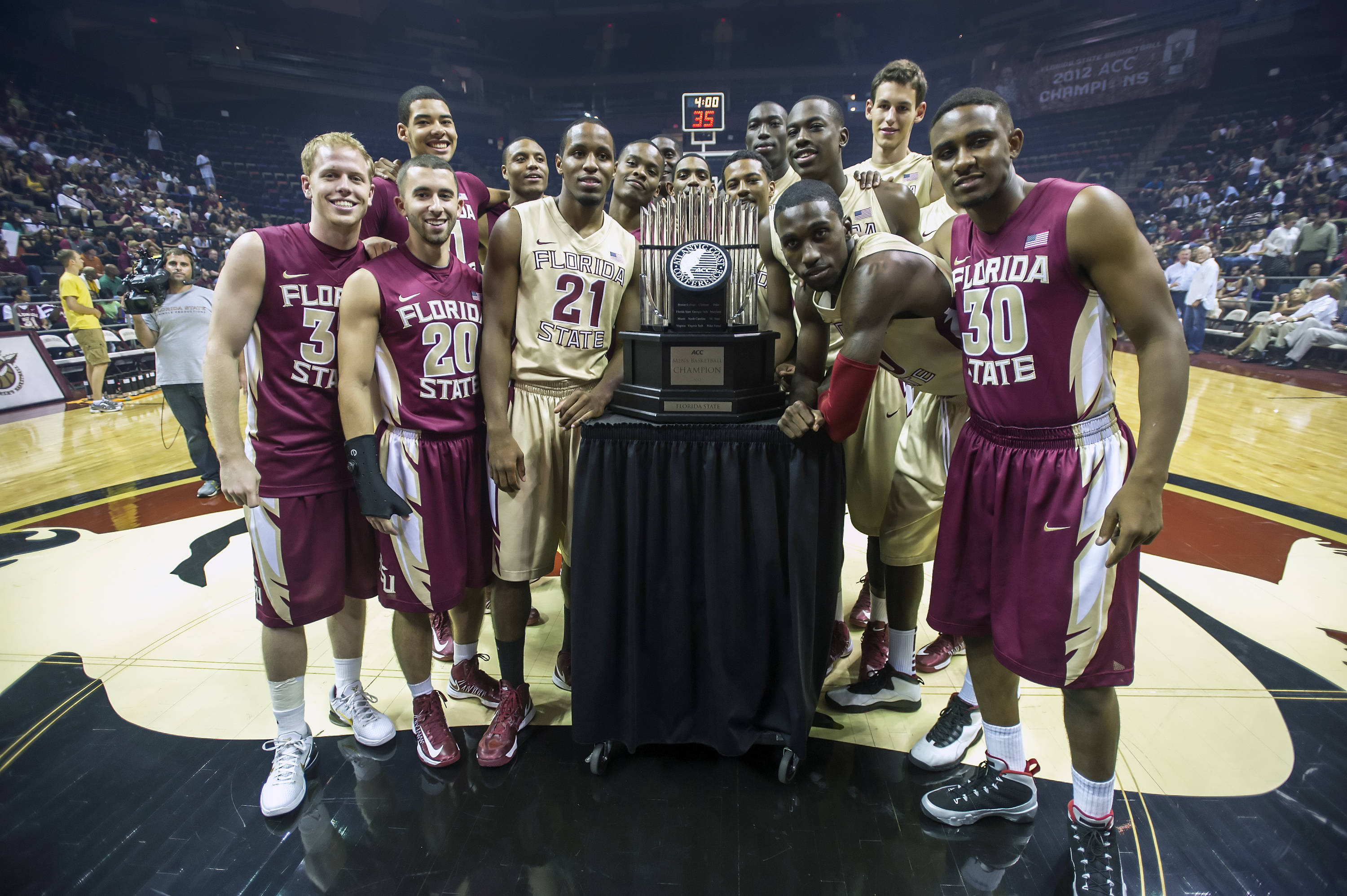 Team with ACC Championship trophy