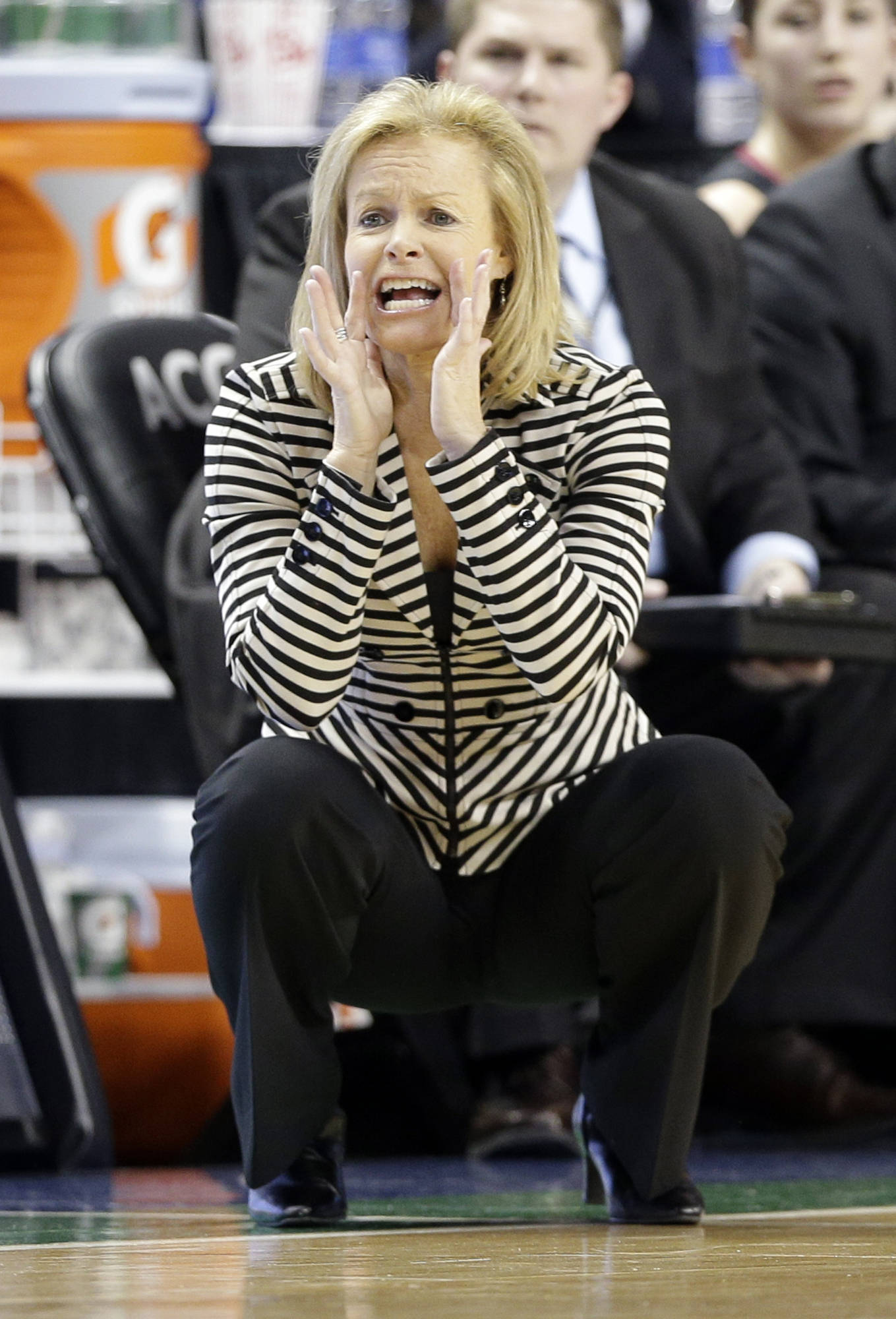 Florida State head coach Sue Semrau directs her team. (AP Photo/Chuck Burton)