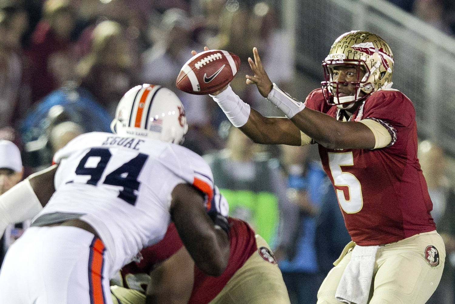 Jameis Winston (5) receiving a snap, BCS Championship, FSU vs Auburn, Rose Bowl, Pasadena, CA,  1-06-14,  (Photo by Steve Musco)