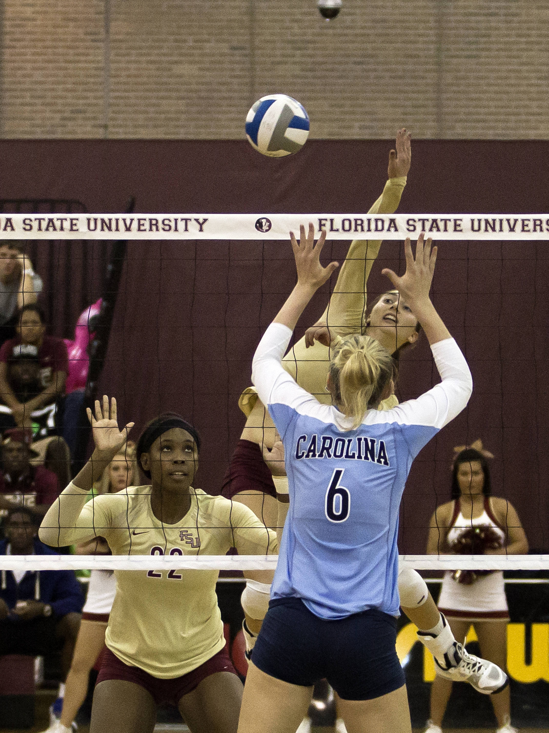 Fatma Yildirim (7), Sareea Freeman (22), FSU vs NC, 10/05/12 (Photo by Steve Musco)