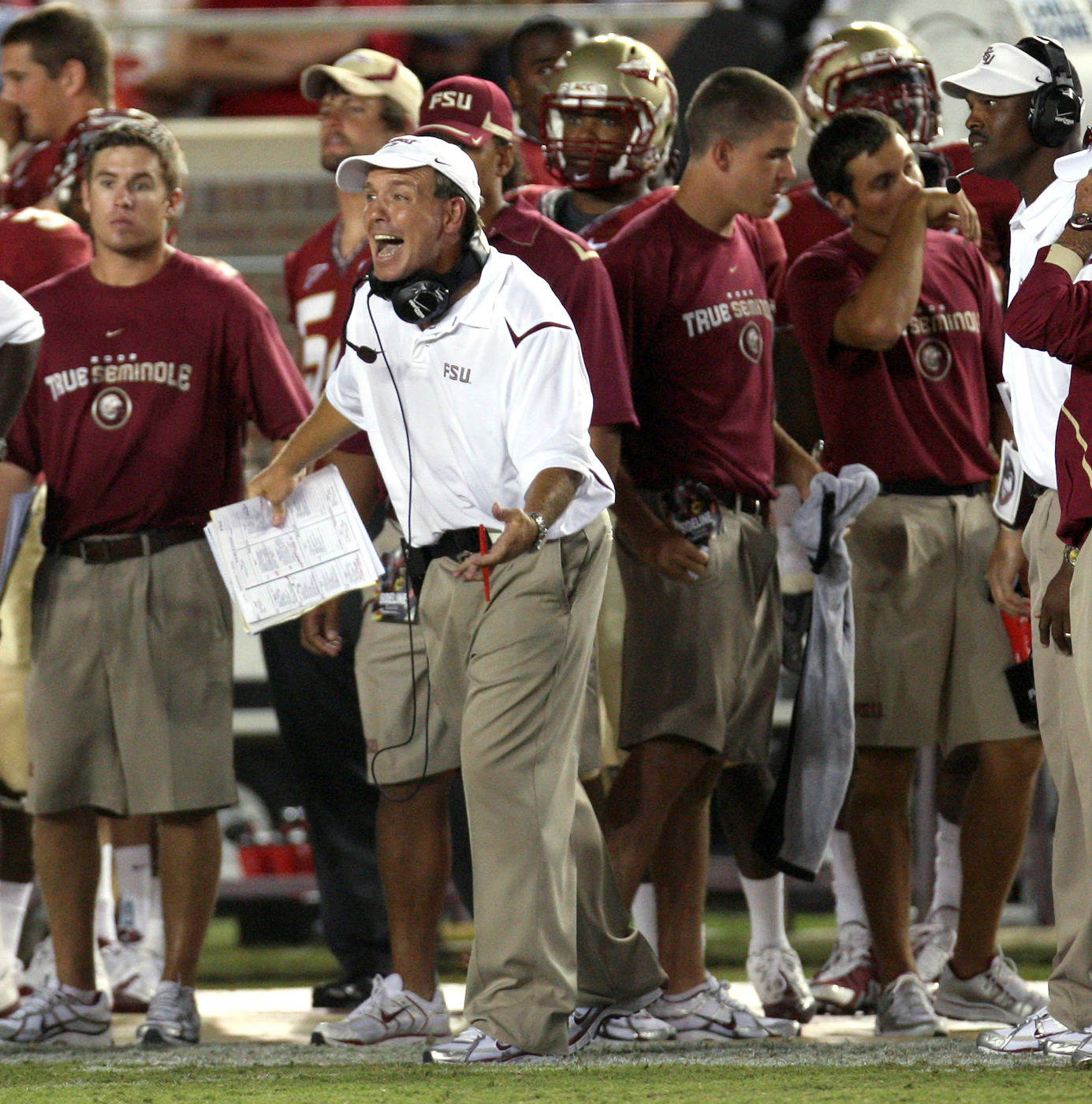 Florida State offensive coordinator Jimbo Fisher, center, yells at his offense during an NCAA college football game against Miami, Monday, Sept. 7, 2009, in Tallahassee, Fla. (AP Photo/Phil Coale)