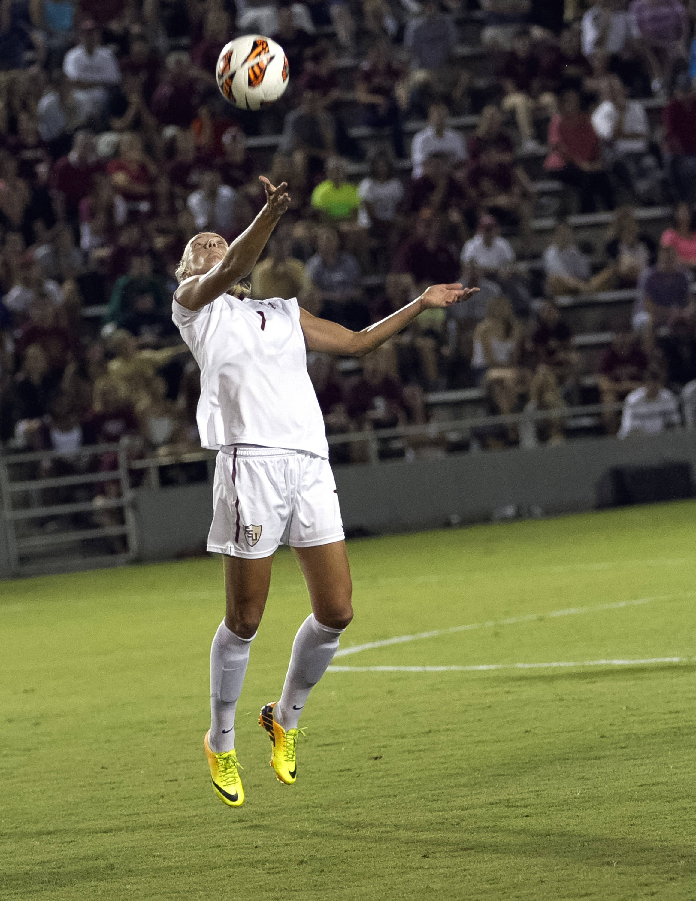 Dagny Brynjarsdottir, FSU vs North Carolina,  9-18-13, (Photo by Steve Musco)