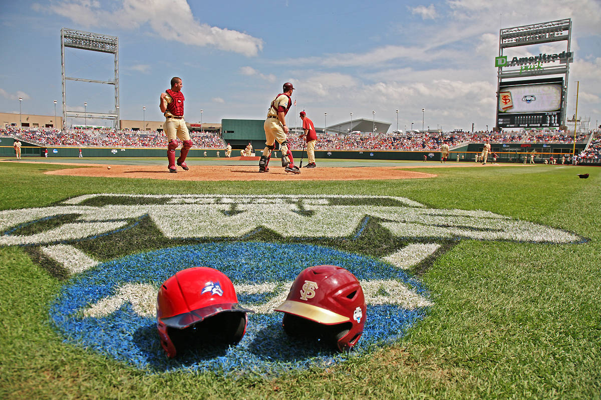 Florida State vs. Stony Brook in an elimination game of the CWS.