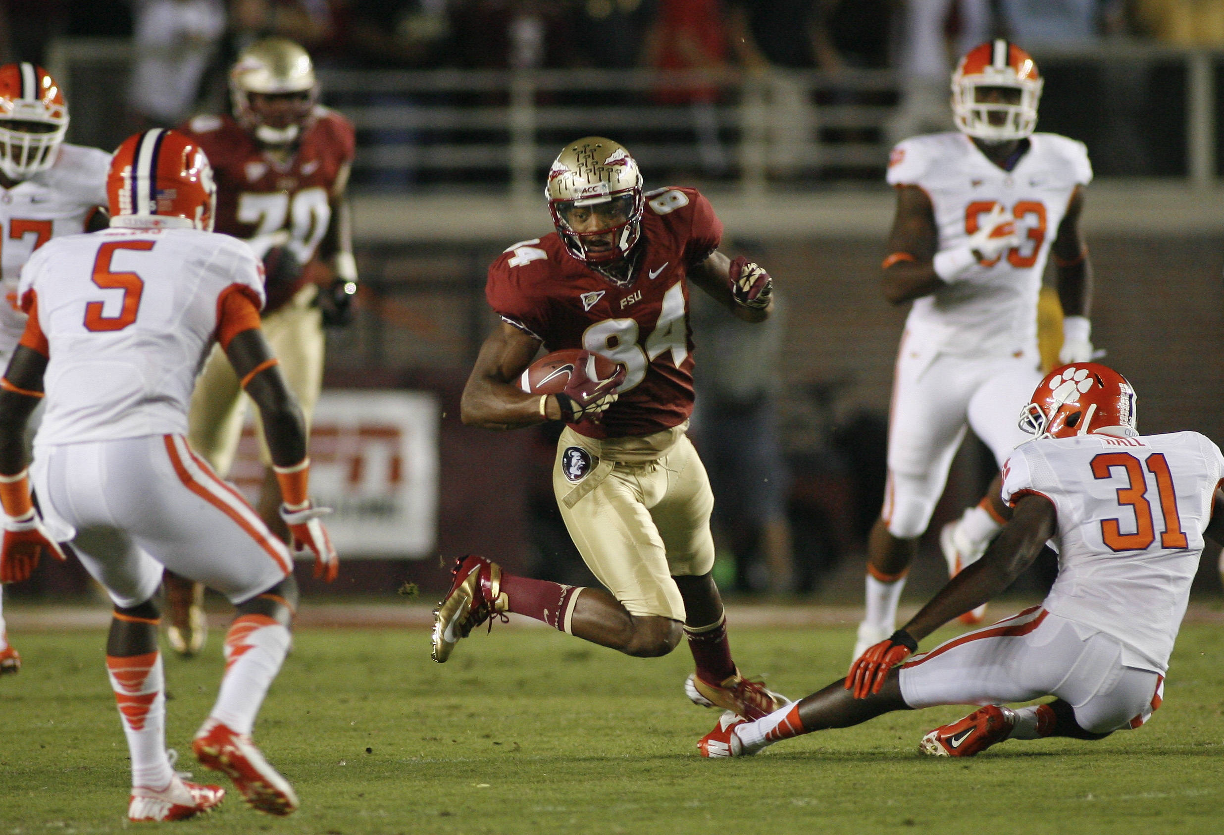 Florida State wide receiver Rodney Smith (84) runs on a 19-yard reception. (AP Photo/Phil Sears)
