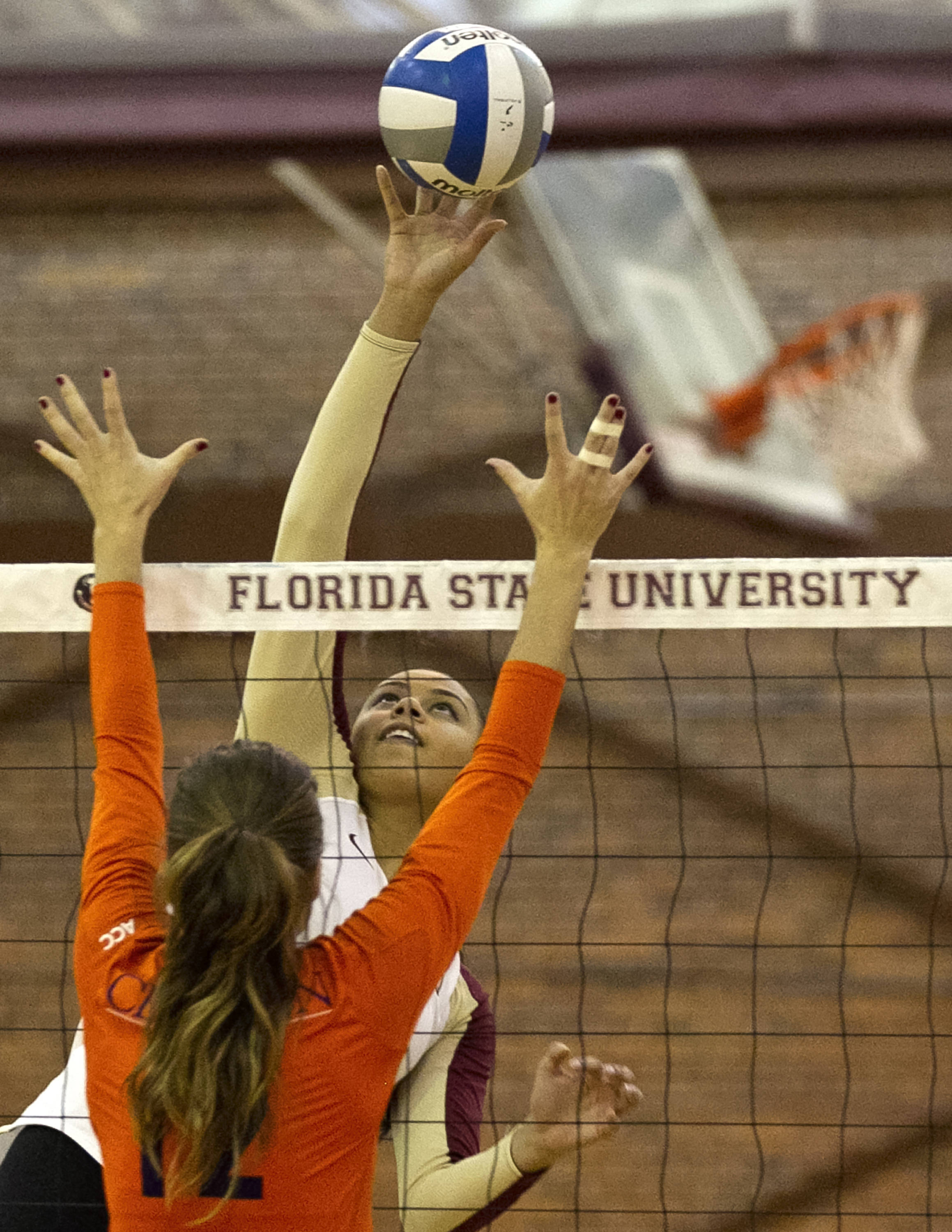 Izzy Carmona (7), FSU vs Clemson, 11-27-13,  (Photo by Steve Musco)