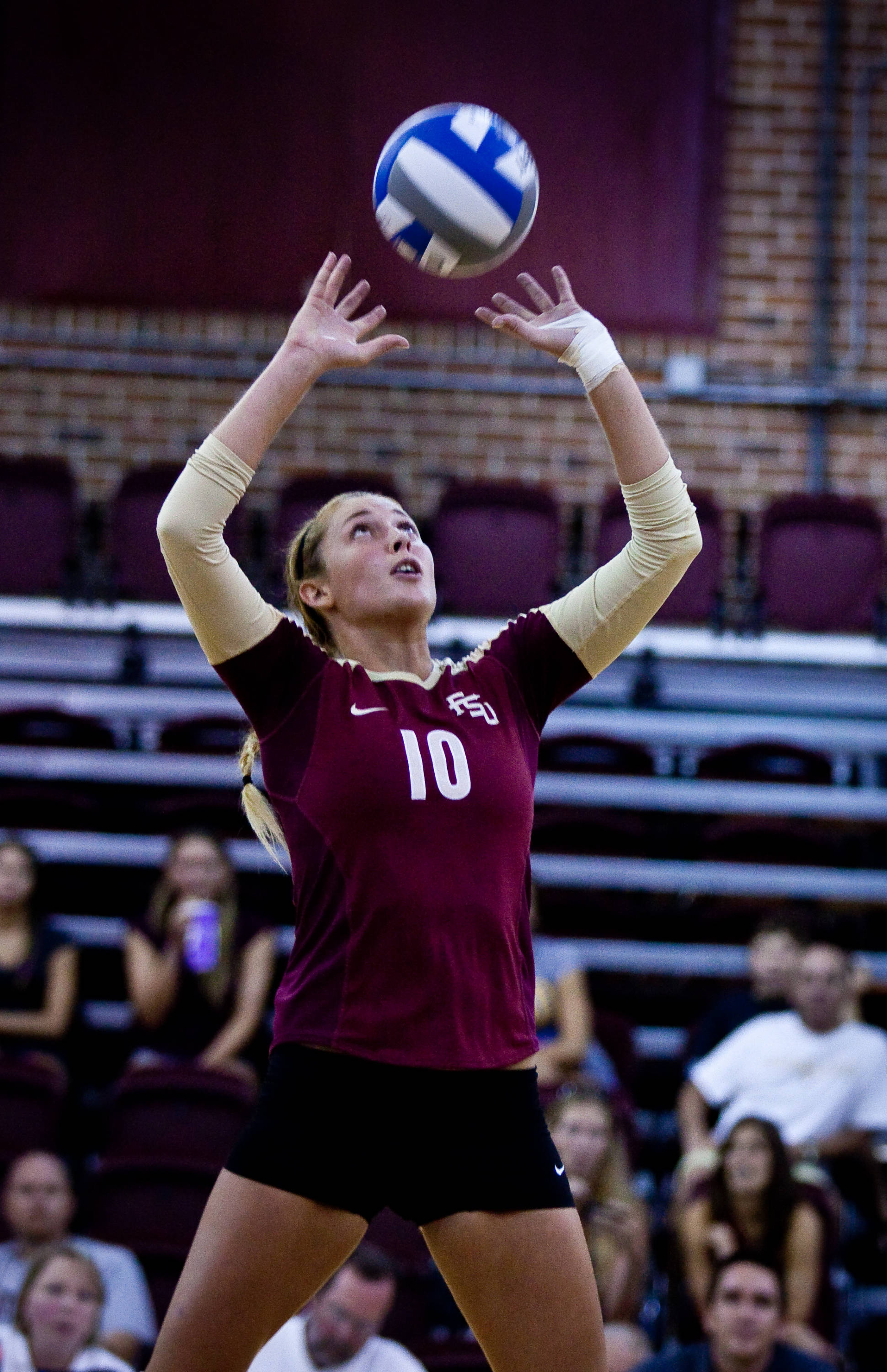 Freshman Sarah Wickstrom (10) tries another set. She finished with 28 assists at the Garnet-Gold Scrimmage.