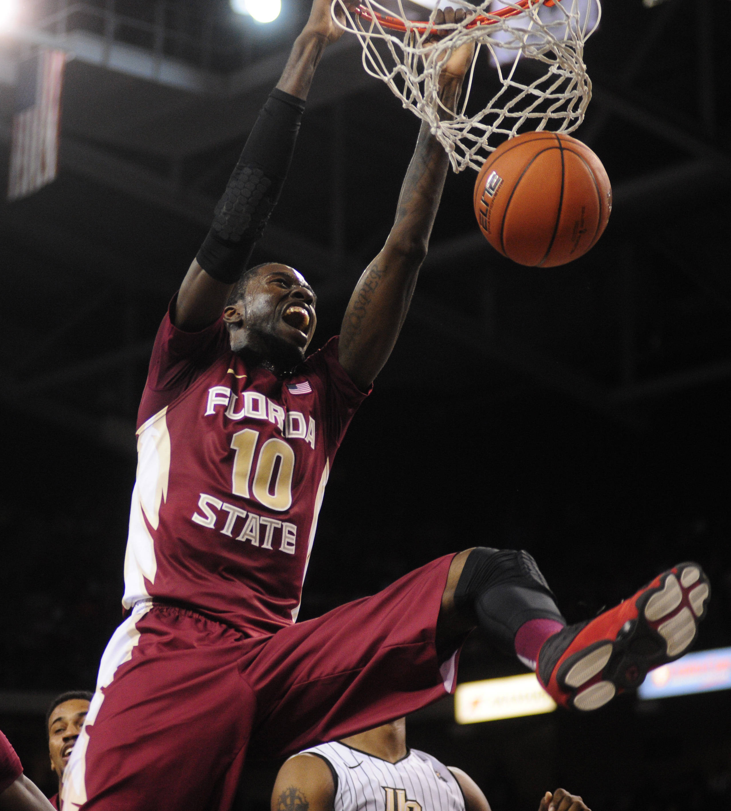 Forward Okaro White (10) dunks the ball. David Manning-USA TODAY Sports