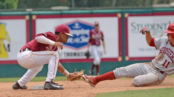 Giovanny Alfonzo makes a tag at second.