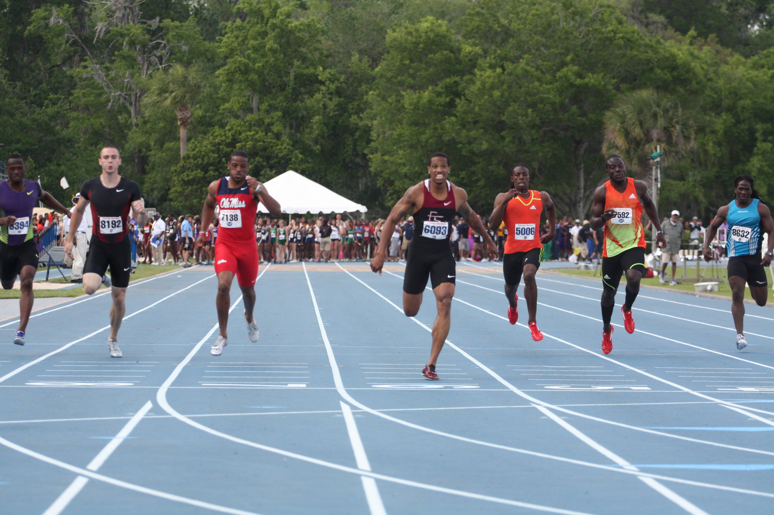 Maurice Williams blows away the field in the 200-meter dash, winning the title in a nation-leading 20.08