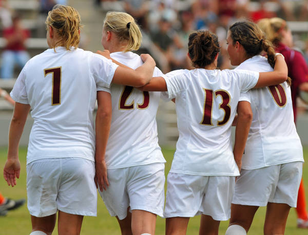 Seminoles celebrate following Sanna Talonen's goal to make it 3-1 FSU.