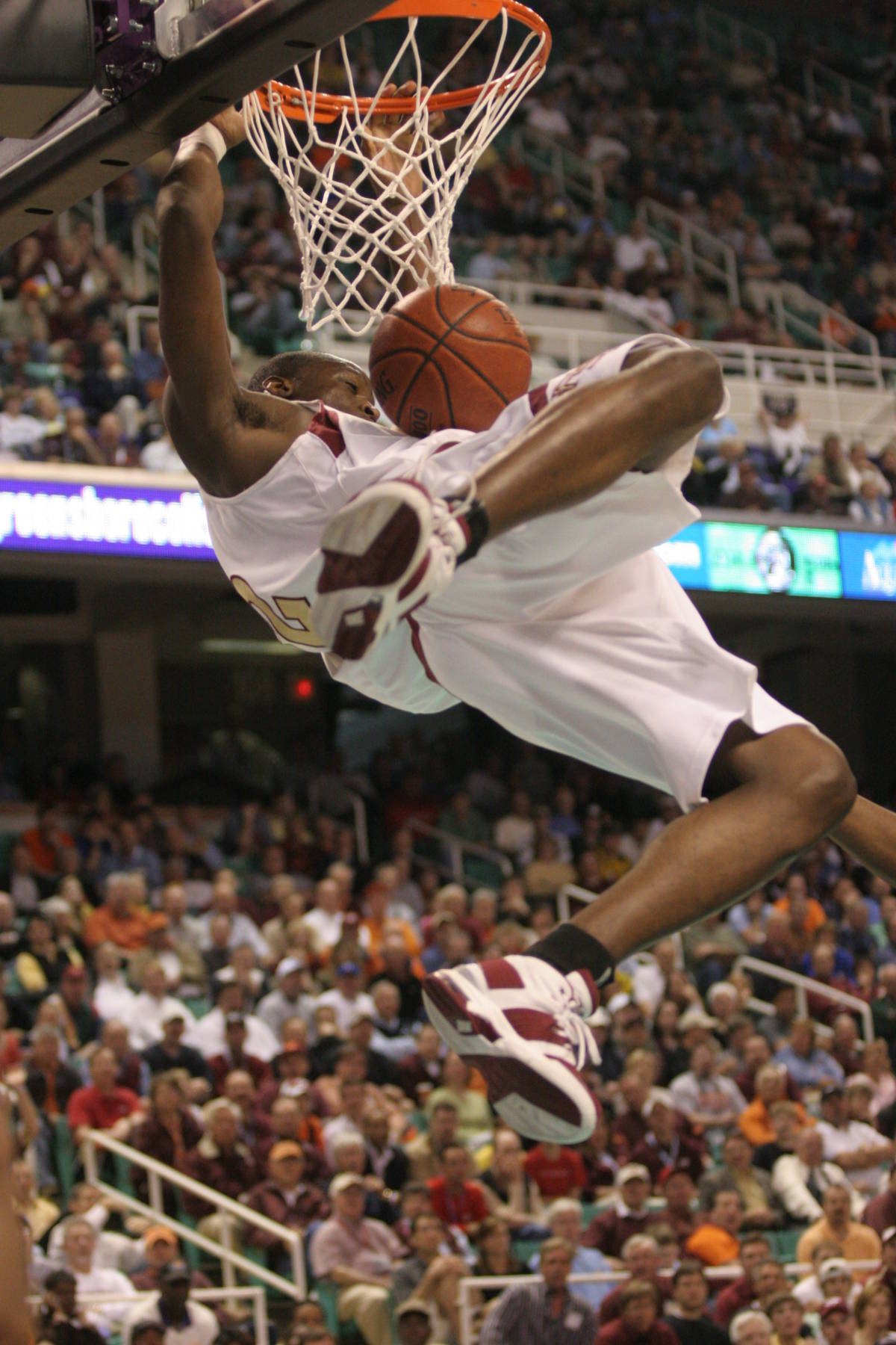 October 3, 2006: Seminole senior basketball player Al Thornton has been named a#$%^pre-season All-American by Athlon Magazine and Blue Ribbon Yearbook.