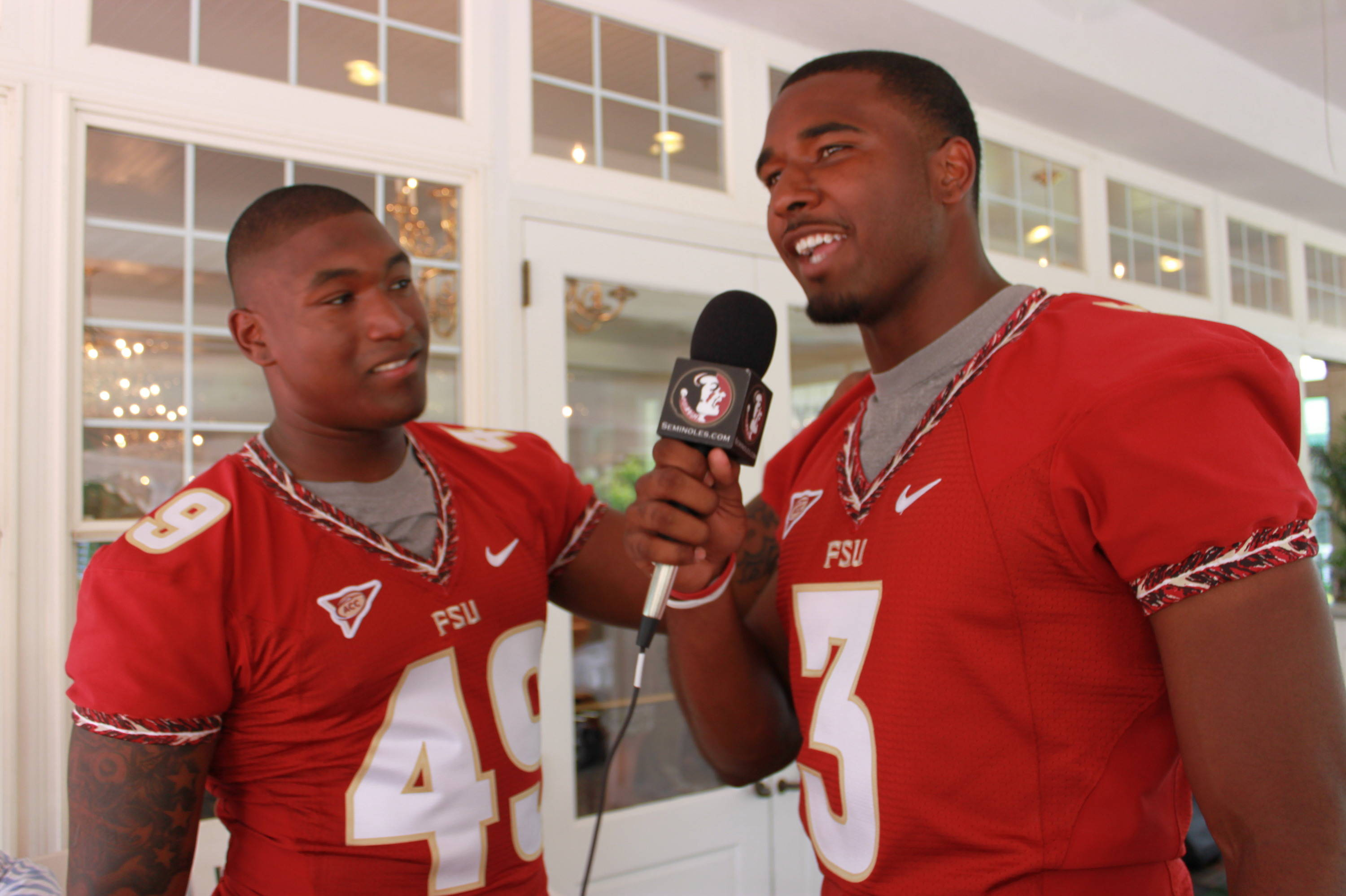 Florida State quarterback EJ Manuel turns the tables and conducts an impromptu interview with teammate Brandon Jenkins.