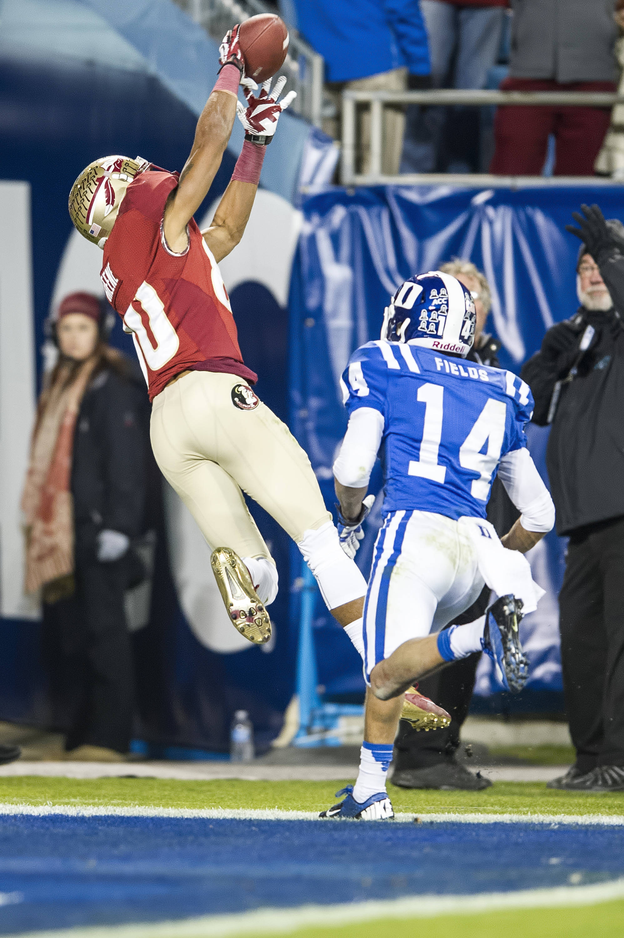 Rashad Greene makes a diving attempt on a TD pass
