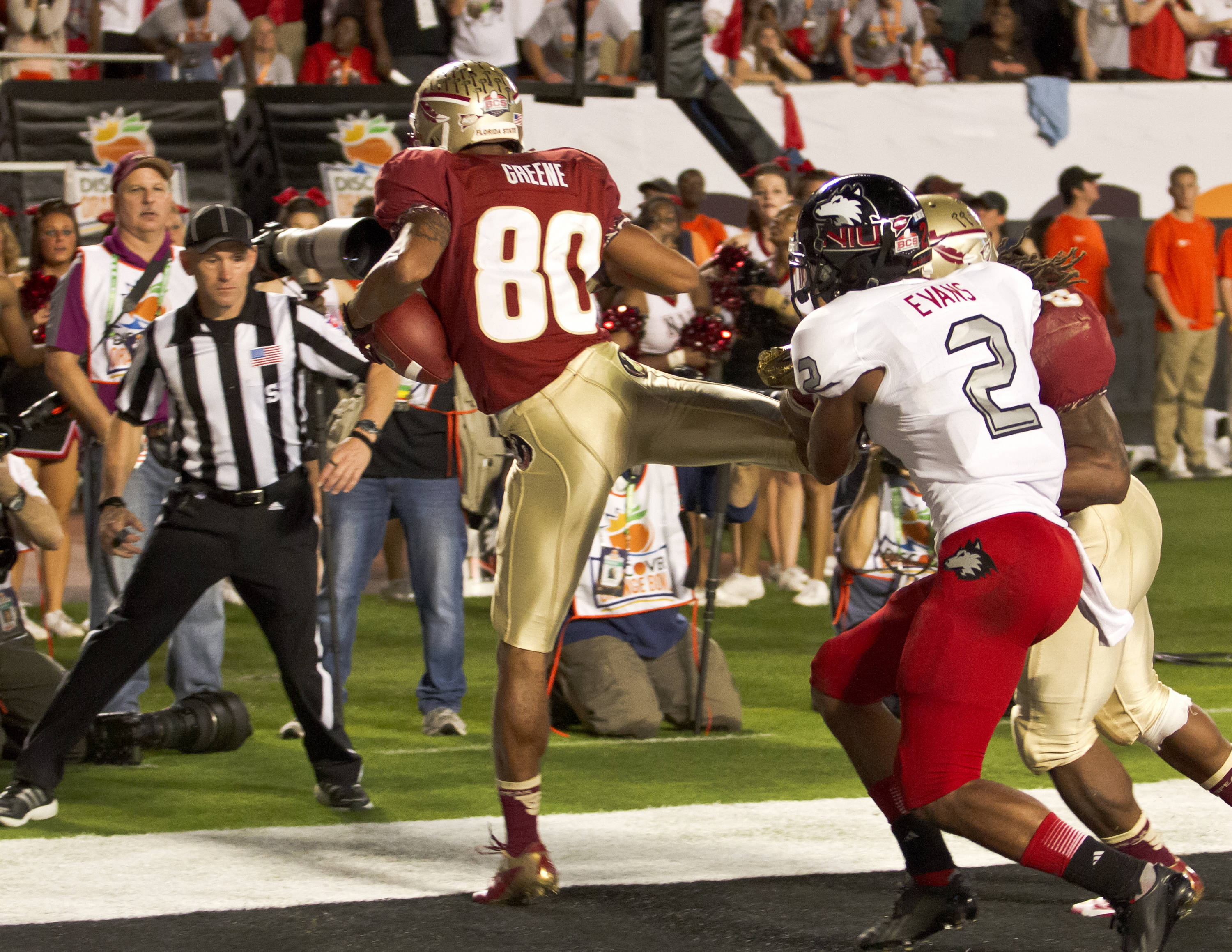 Rashad Greene (80), scoring a touchdown with 11 seconds left in the first half, FSU vs No. Illinois, 01/01/13. (Photo by Steve Musco)