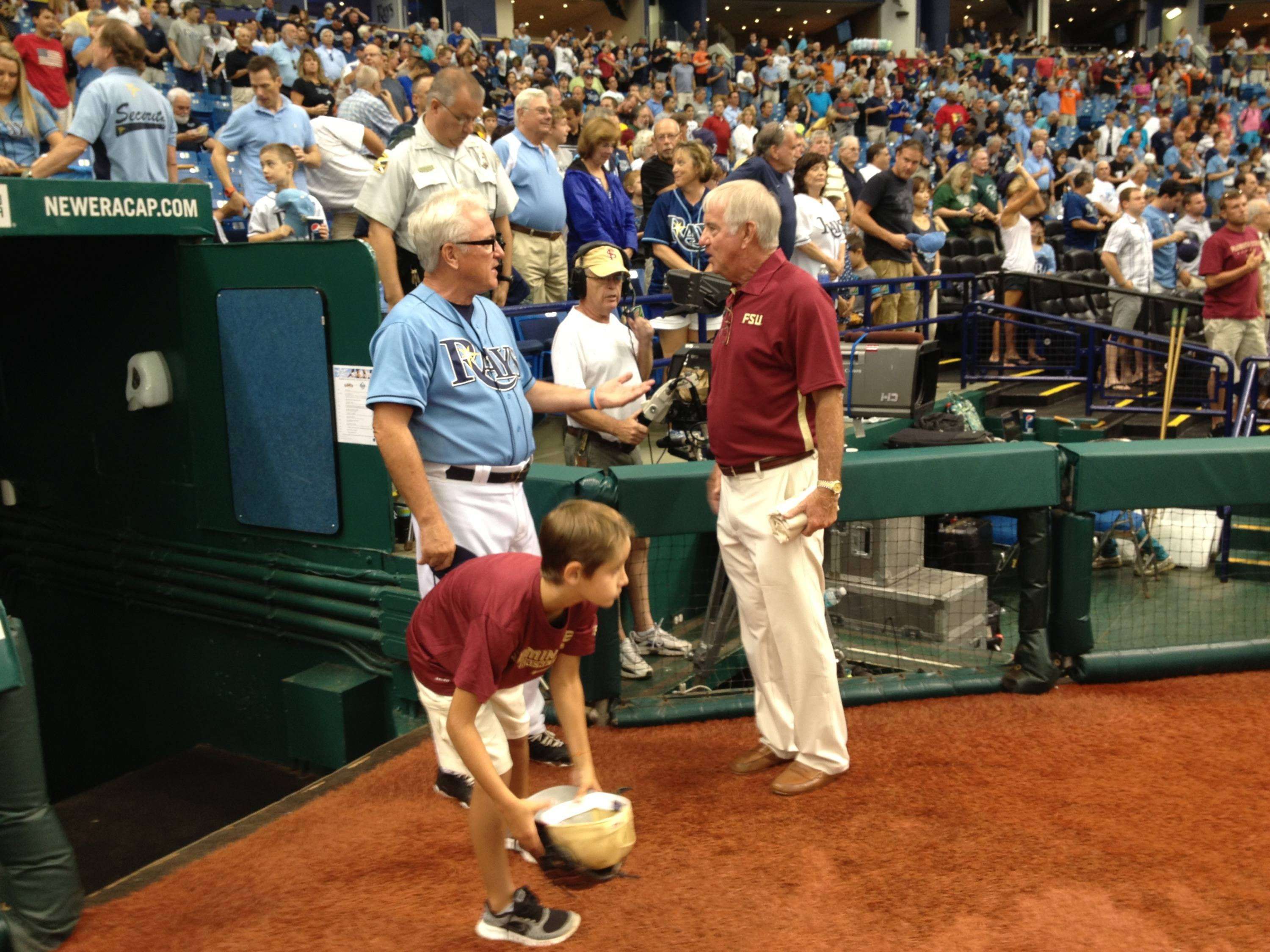 FSU head coach Mike Martin speaks with Tampa Bay Rays manager Joe Maddon